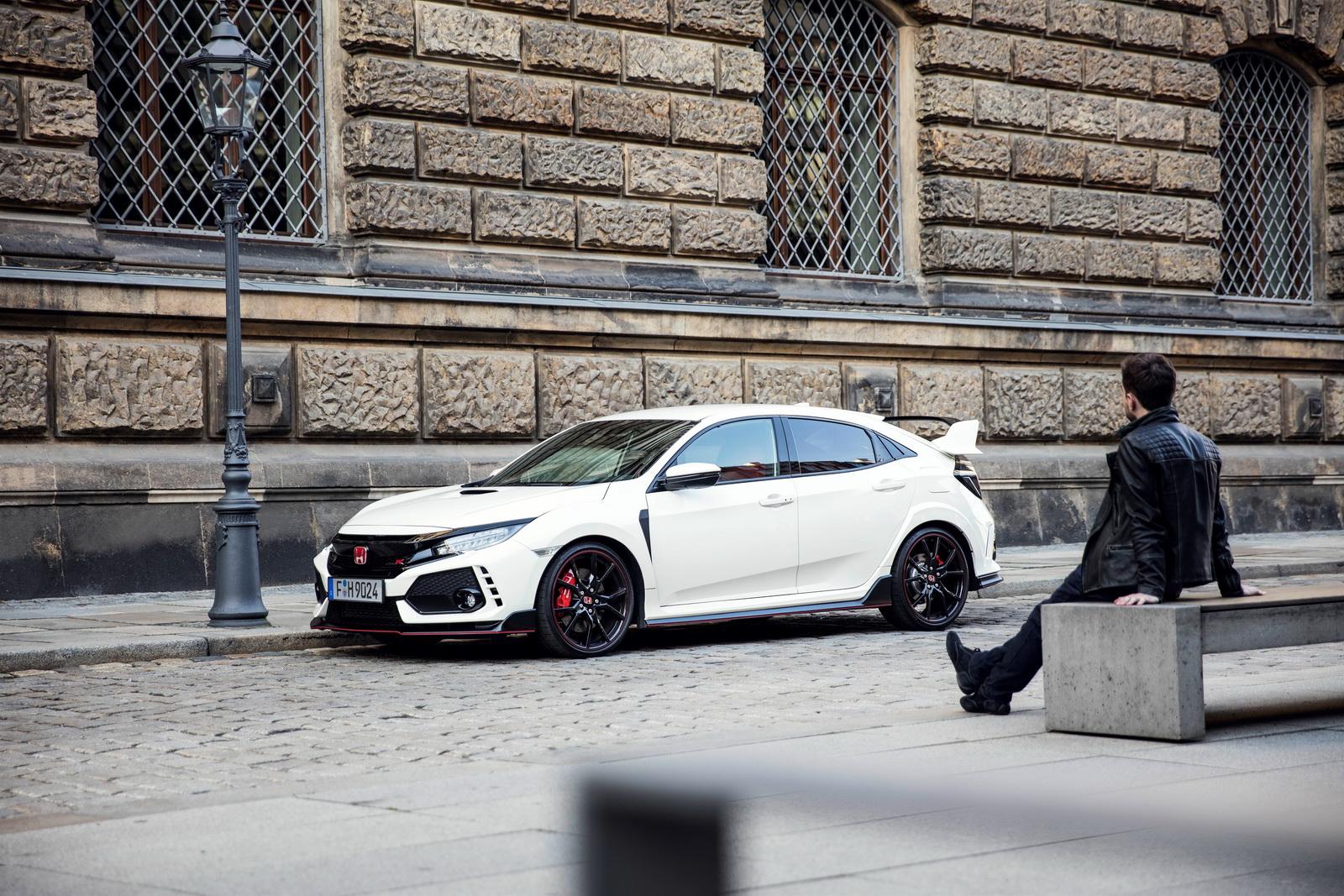Wallpaper Car Racing Honda Civic Type R Men 1600x1067