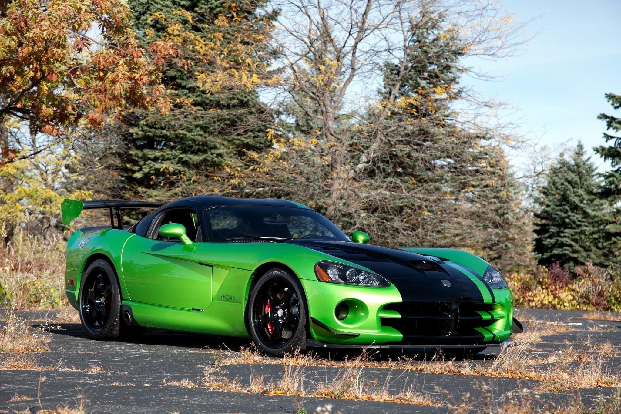хотя картинки зеленых машин приехал