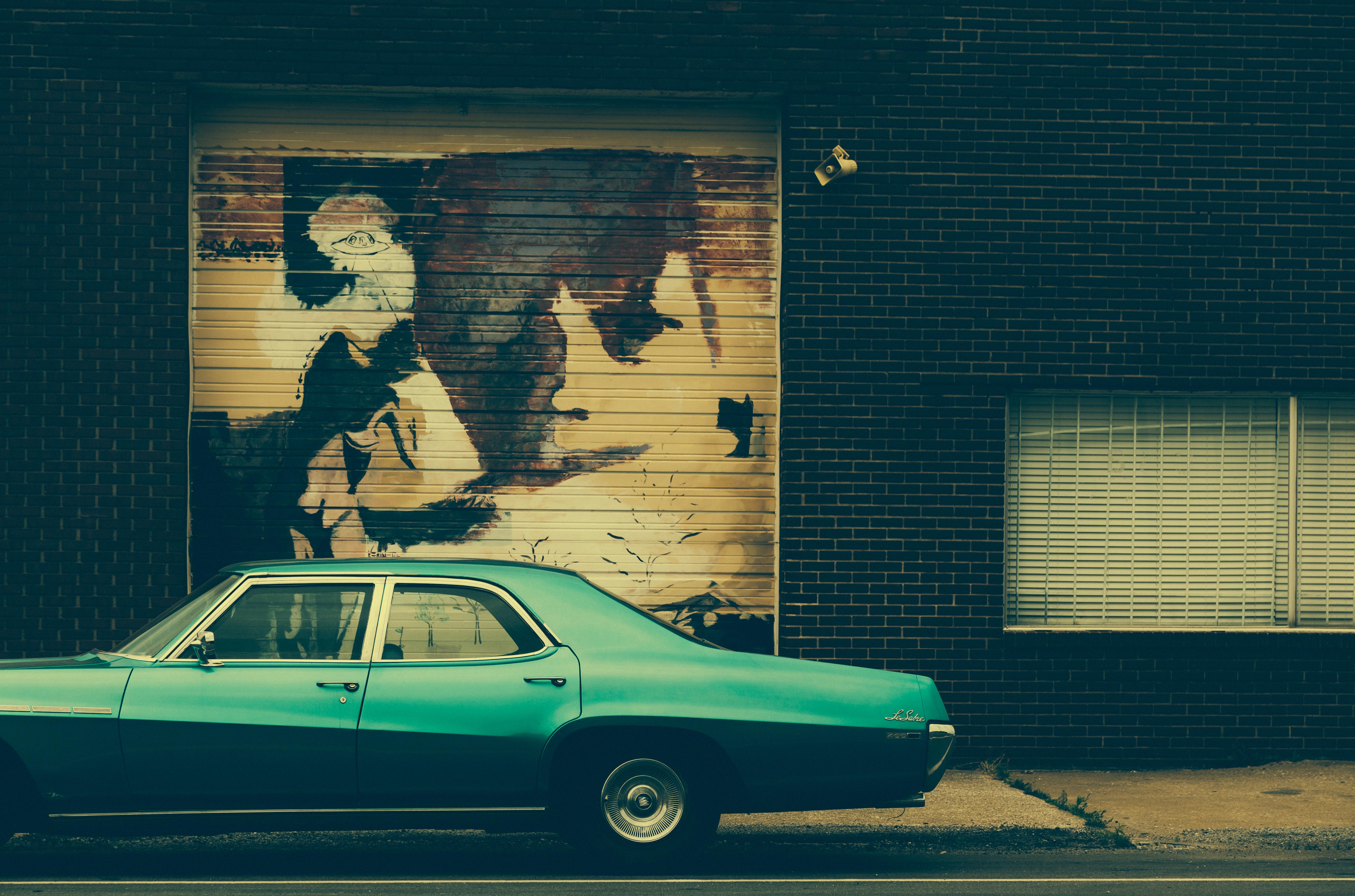 Wallpaper : sky, wall, Canon, Buick, graffiti, Vintage car, criminal