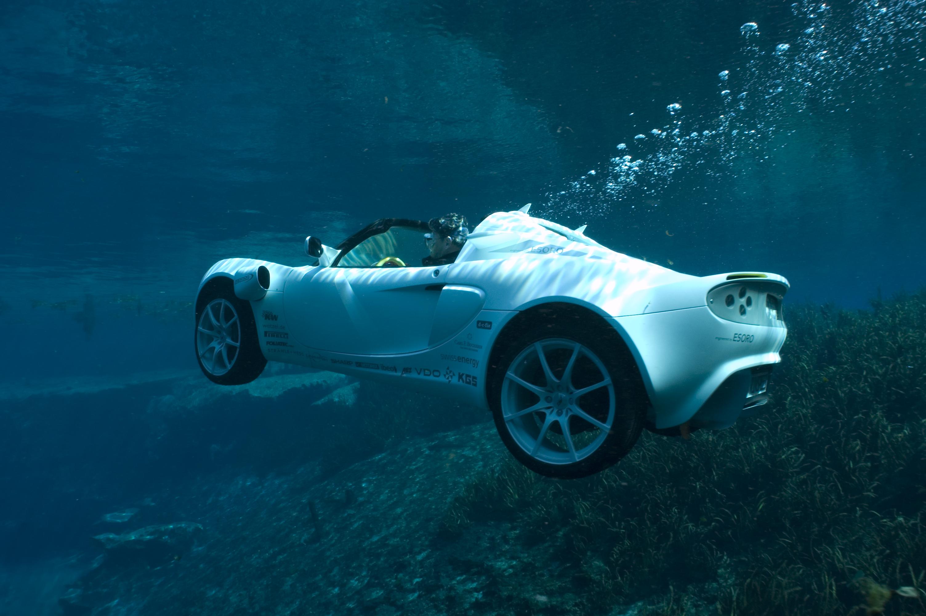 Фото автомобилей под водой