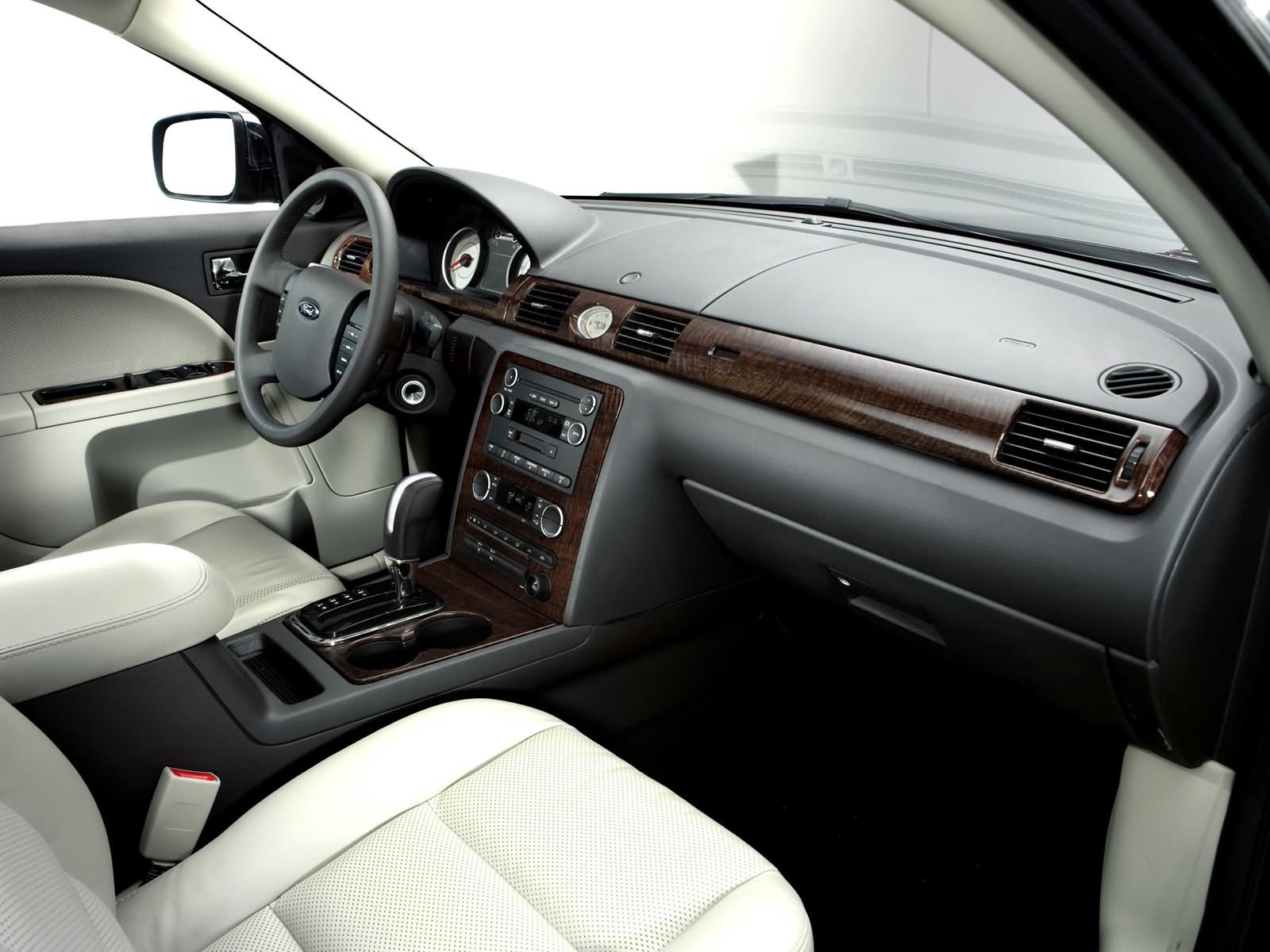 Форд Экоспорт 2017 2018: новый кузов, комплектации и цены ...