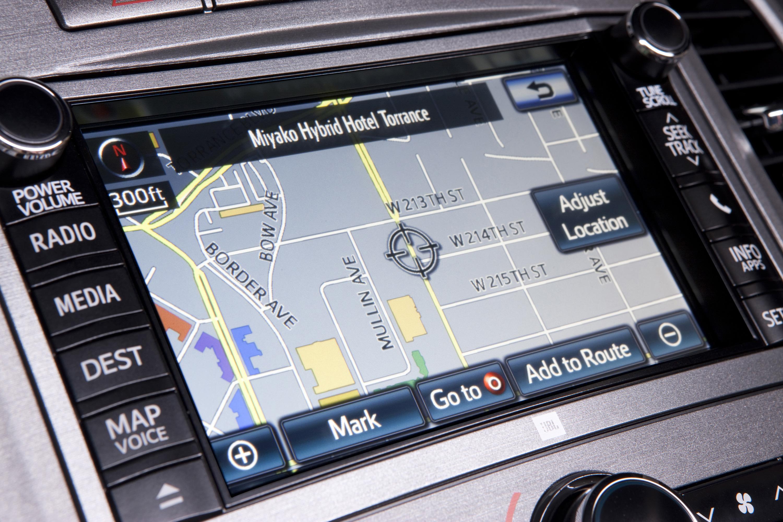 как установить навигатор на Toyota Венза 2014года #2