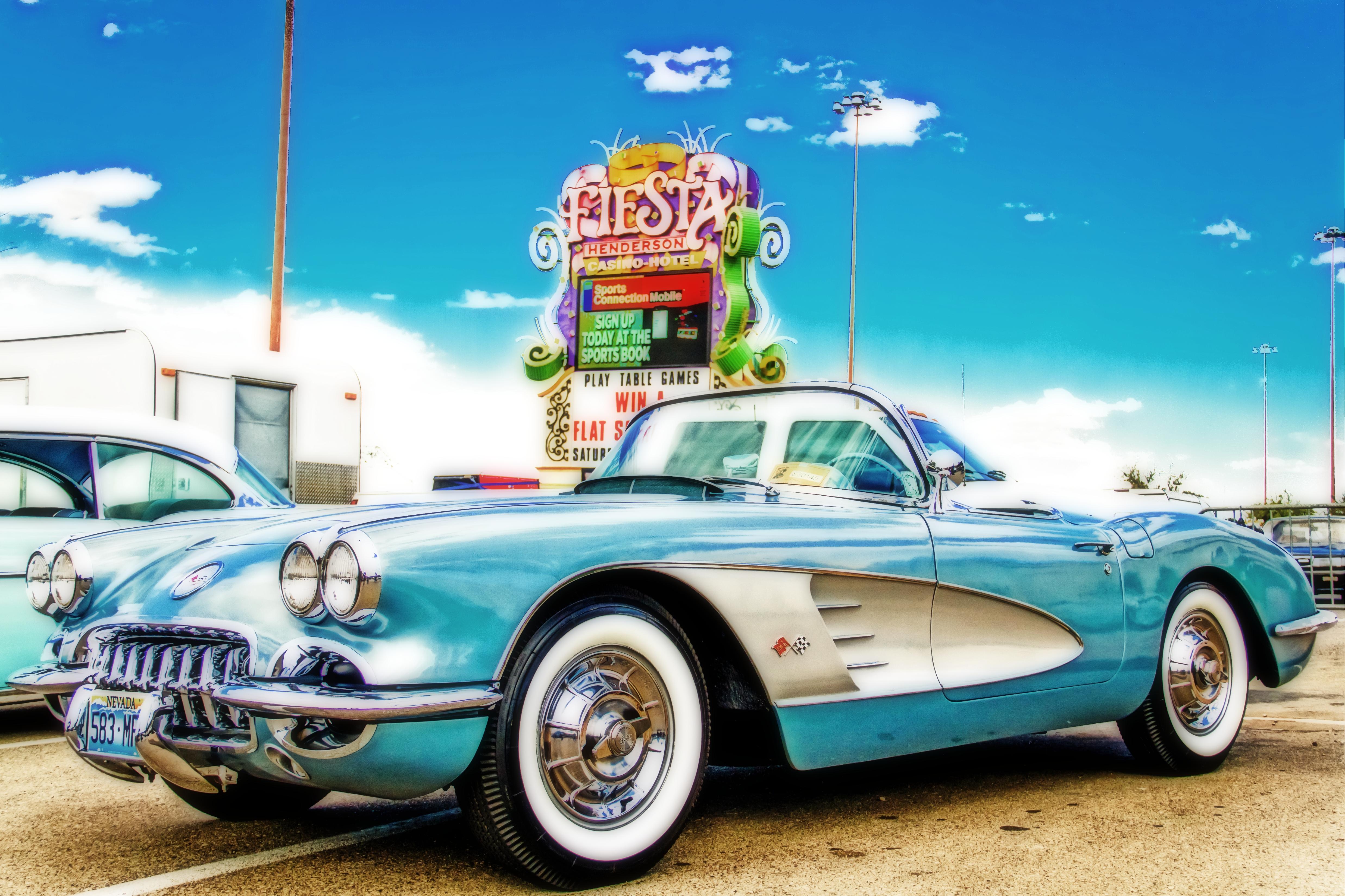 Hotel Vintage Sports Car