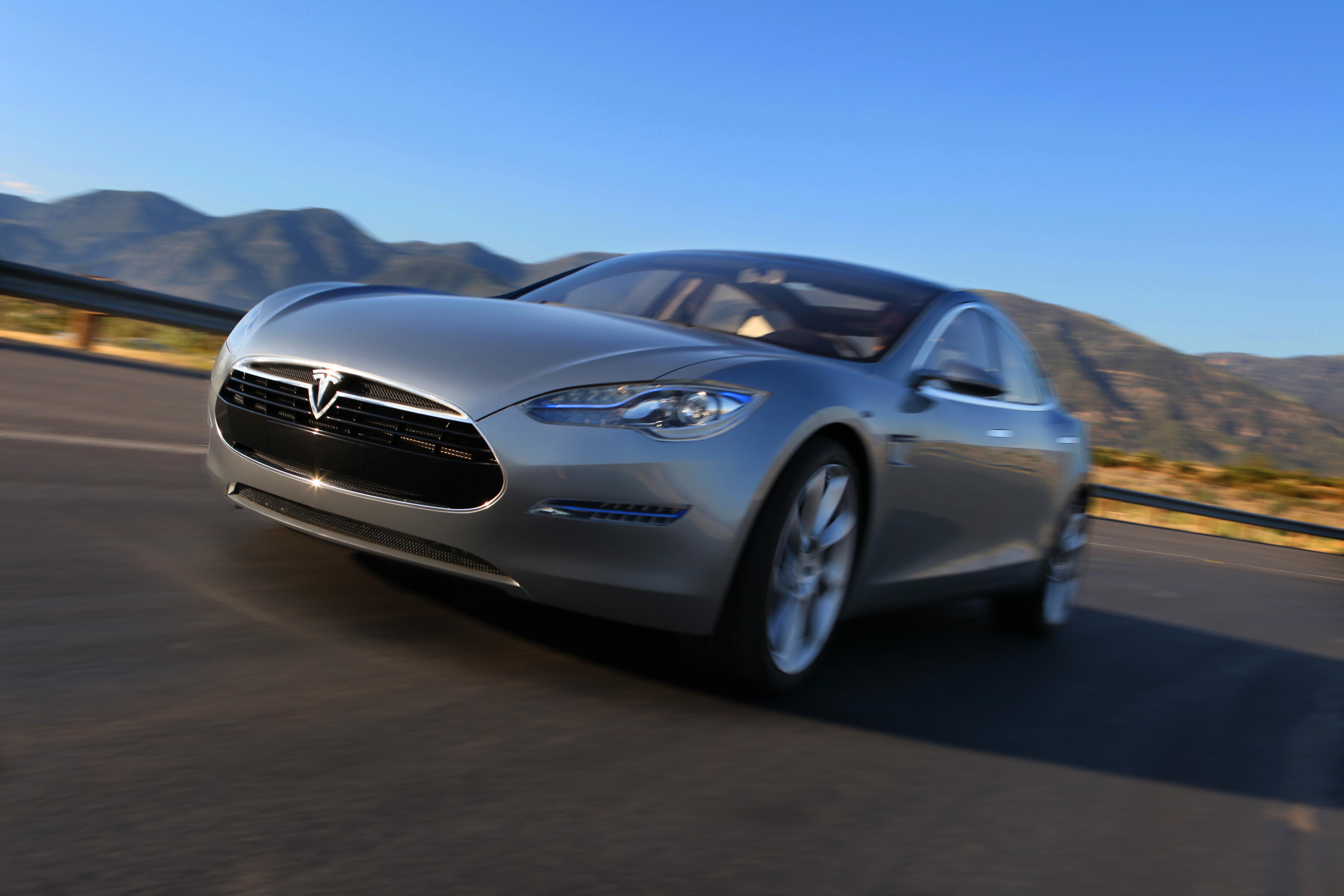 Картинка электромобиля тесла