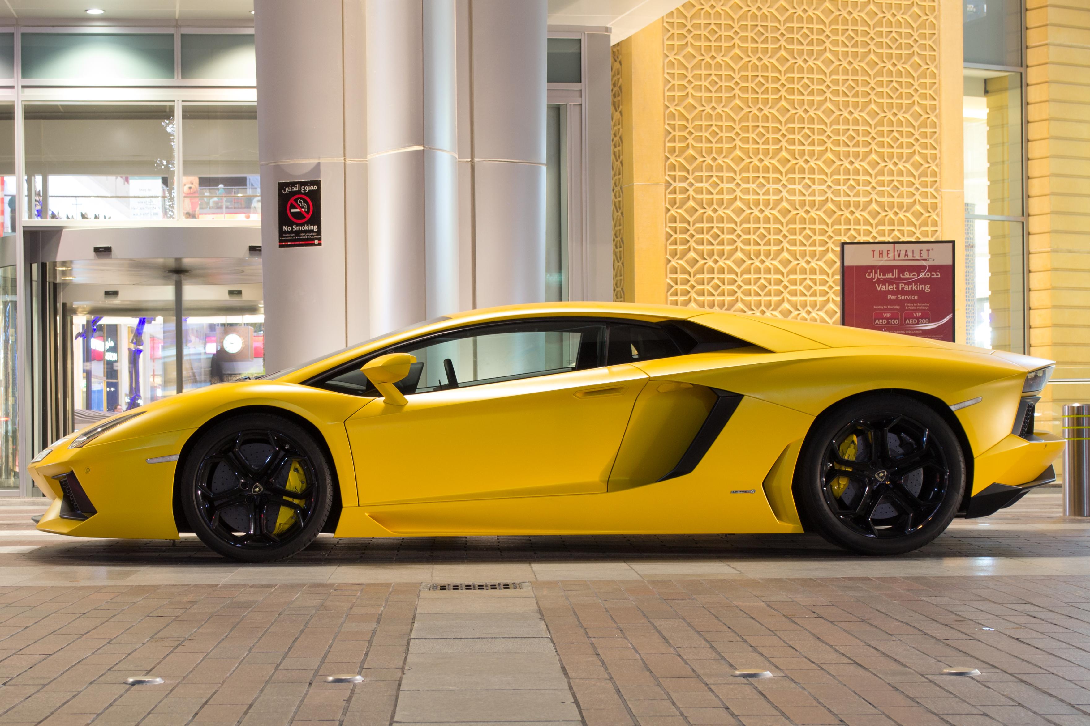 Wallpaper : yellow, Lamborghini Aventador, Nikon, Dubai, Lamborghini ...