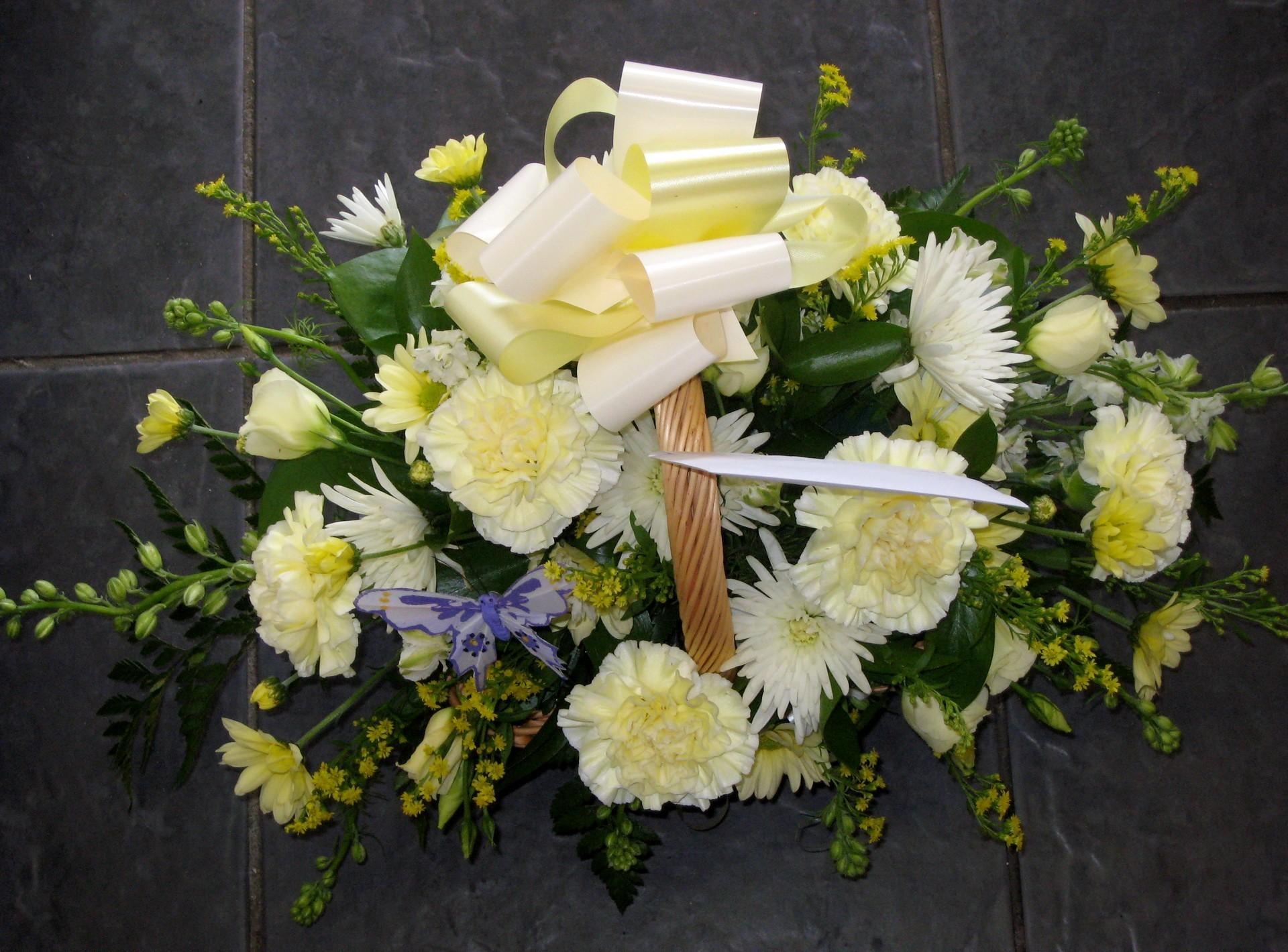 обои на рабочий стол букеты розы герберы лилии гвоздики № 172320 загрузить