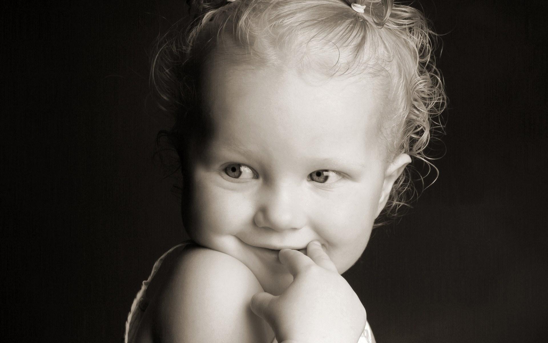Идеи черно-белого фото с детьми