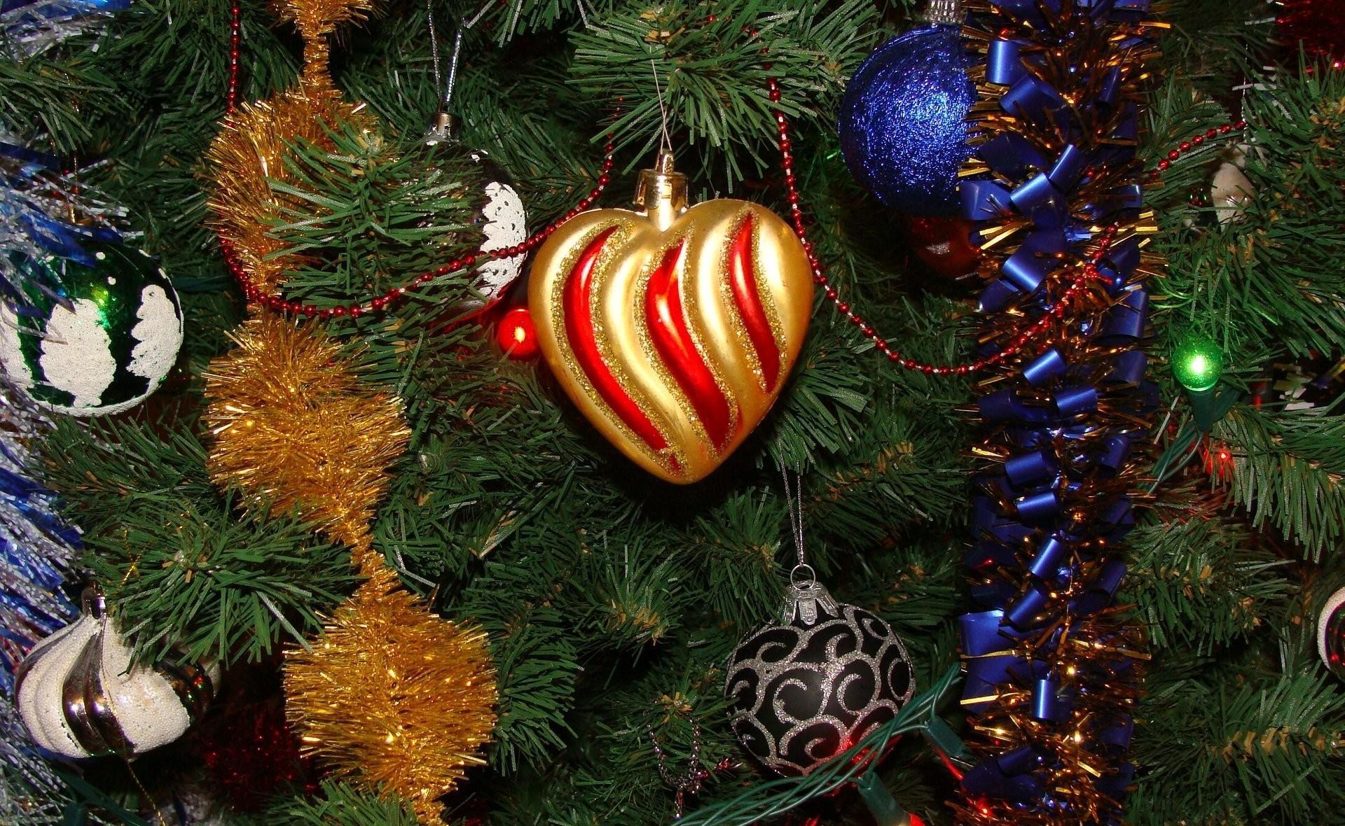 Wallpaper Christmas Decorations Christmas Tree Tinsel Garland