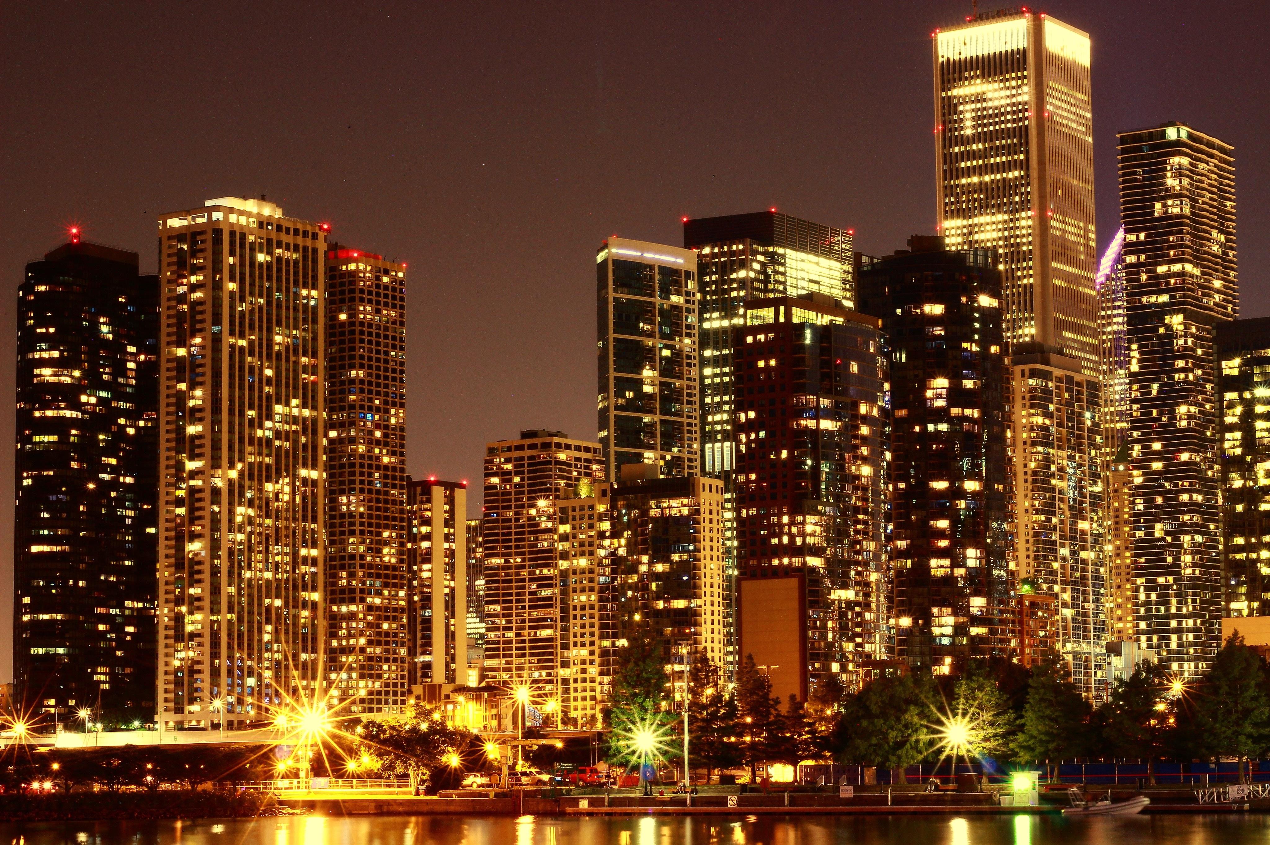Красивый город фото вечер