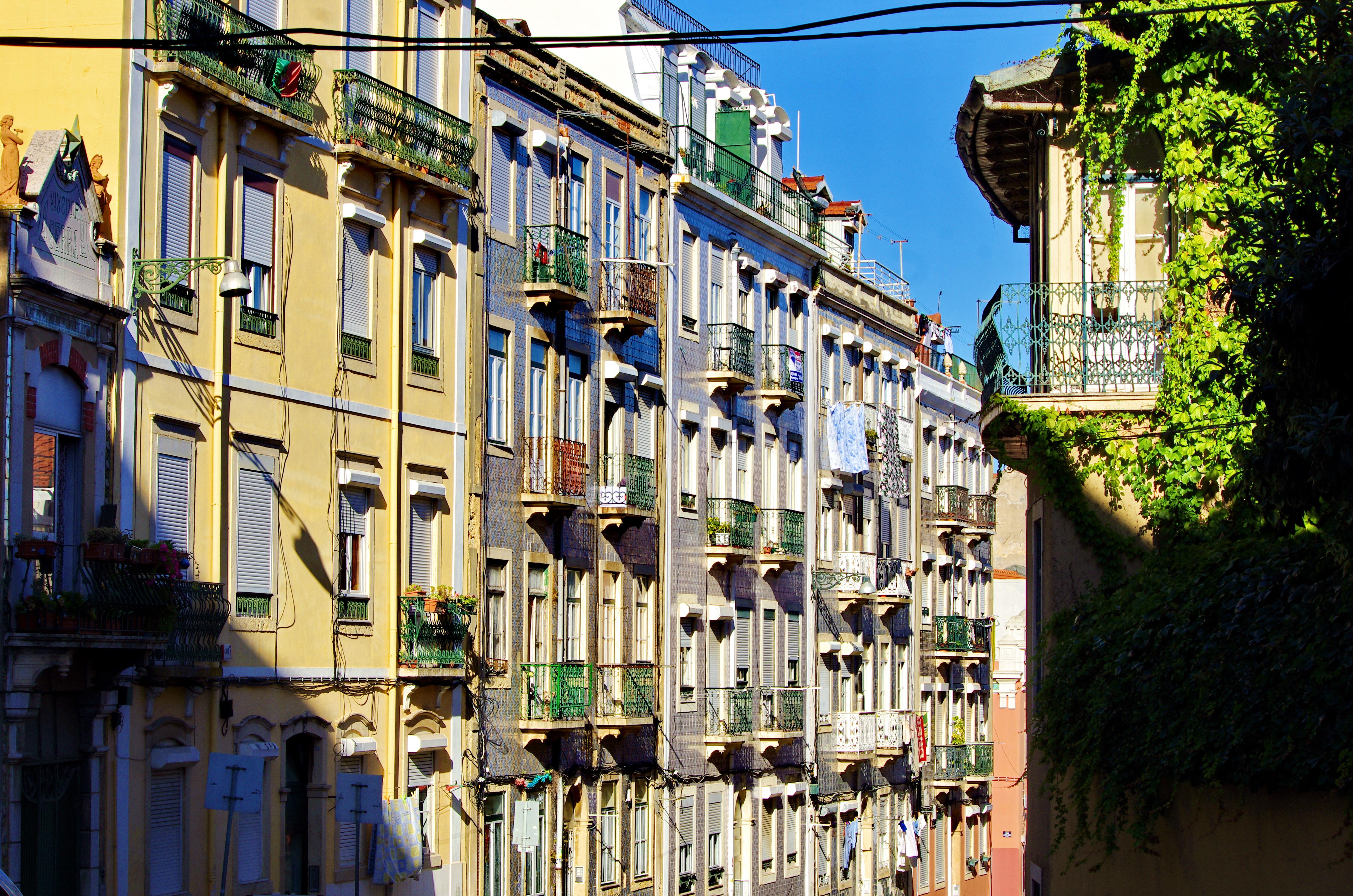 Fond d 39 cran rue paysage urbain architecture route for Architecture lisbonne