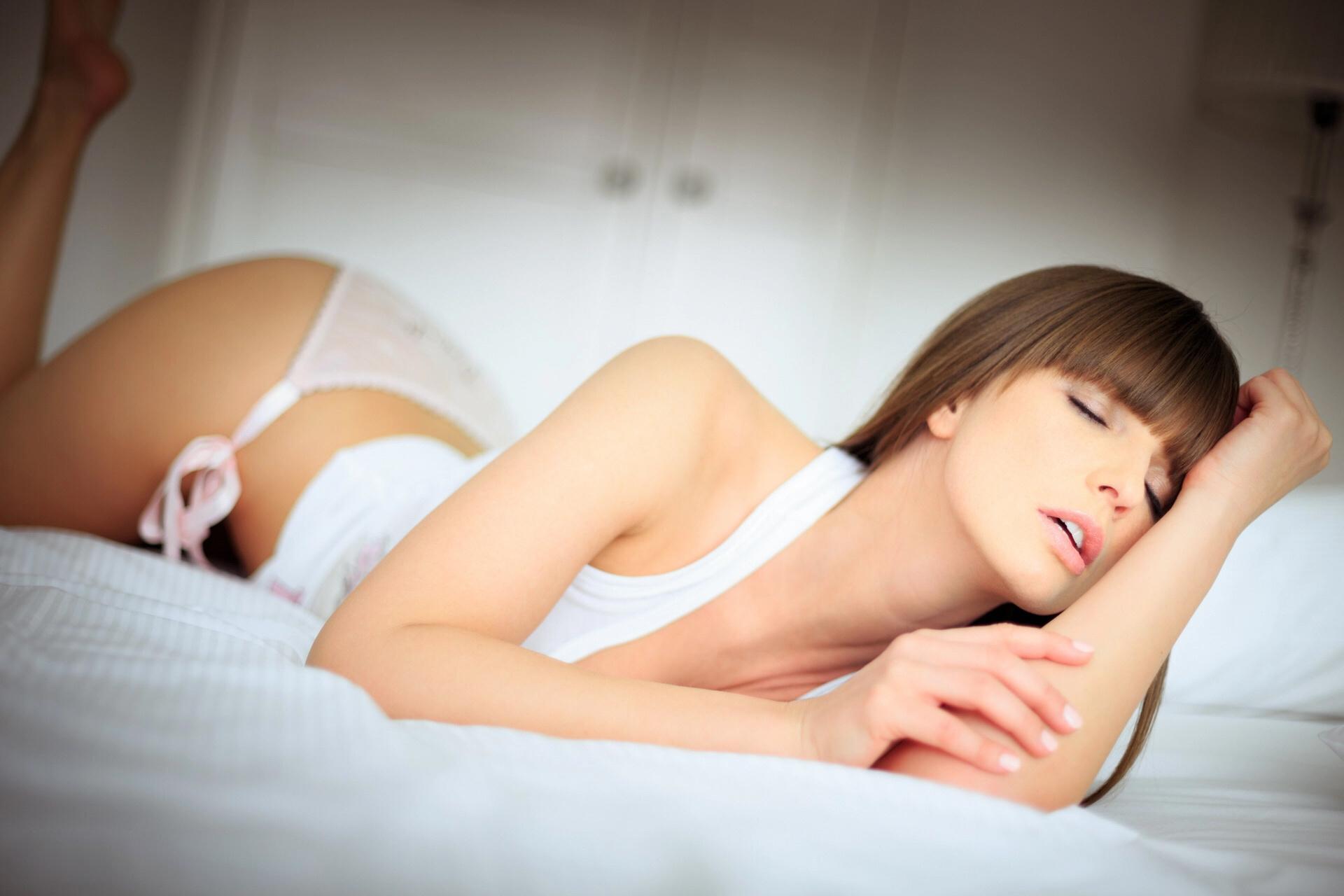 Молодая в экстазе фото, смотреть порно фильм про сисястых дам