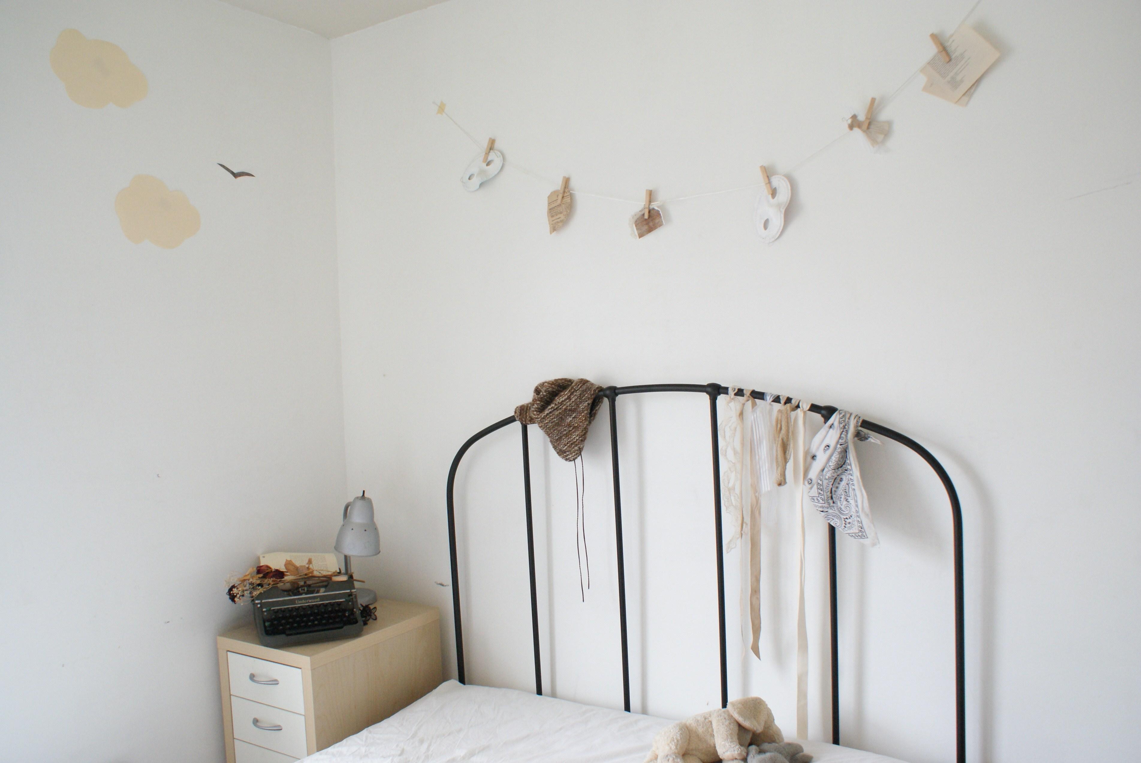. Wallpaper   cloud  white  bunny  bird  hat  typewriter  puppy  bed