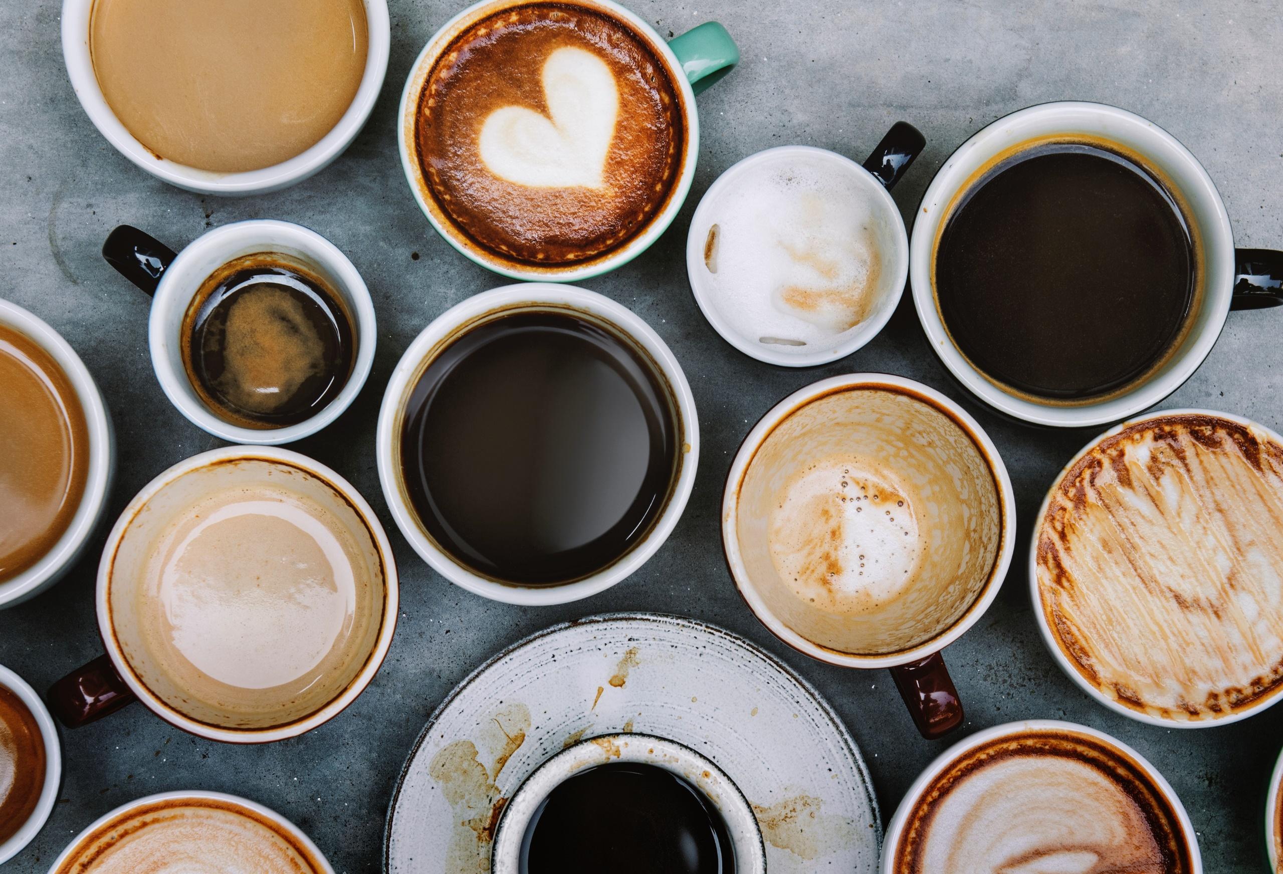 Фото много чашек кофе
