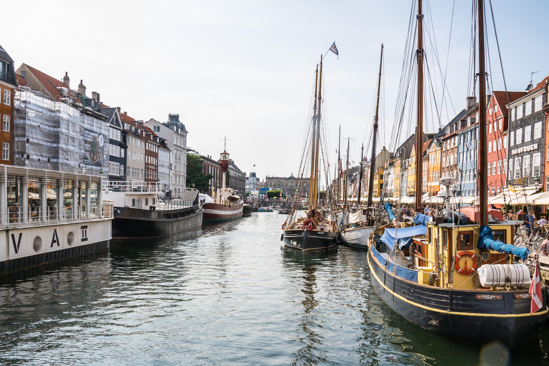 Hintergrundbilder : bunt, Boot, Meer, Stadtbild, Fahrzeug, Haus ...