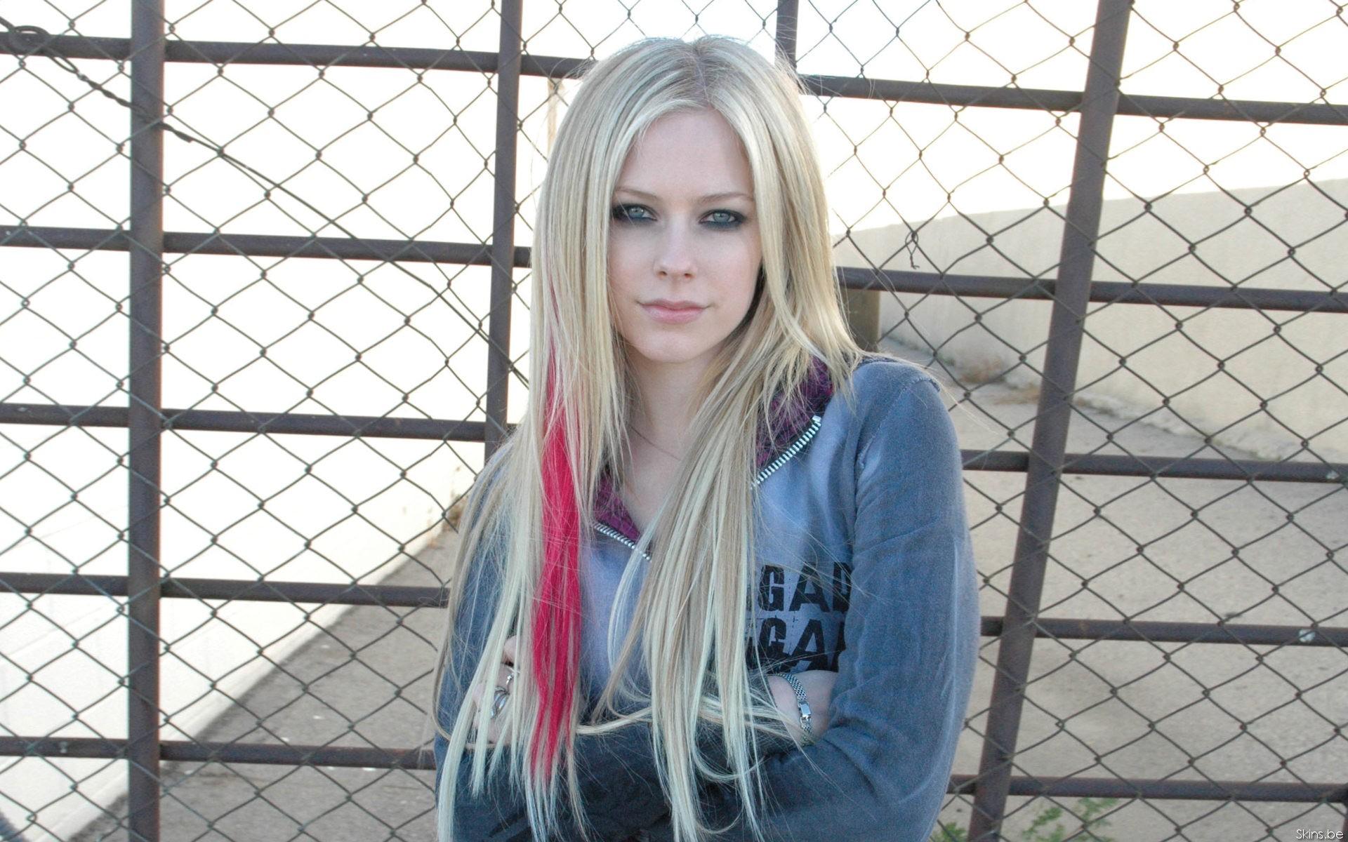 Wallpaper Cosplay Model Long Hair Avril Lavigne