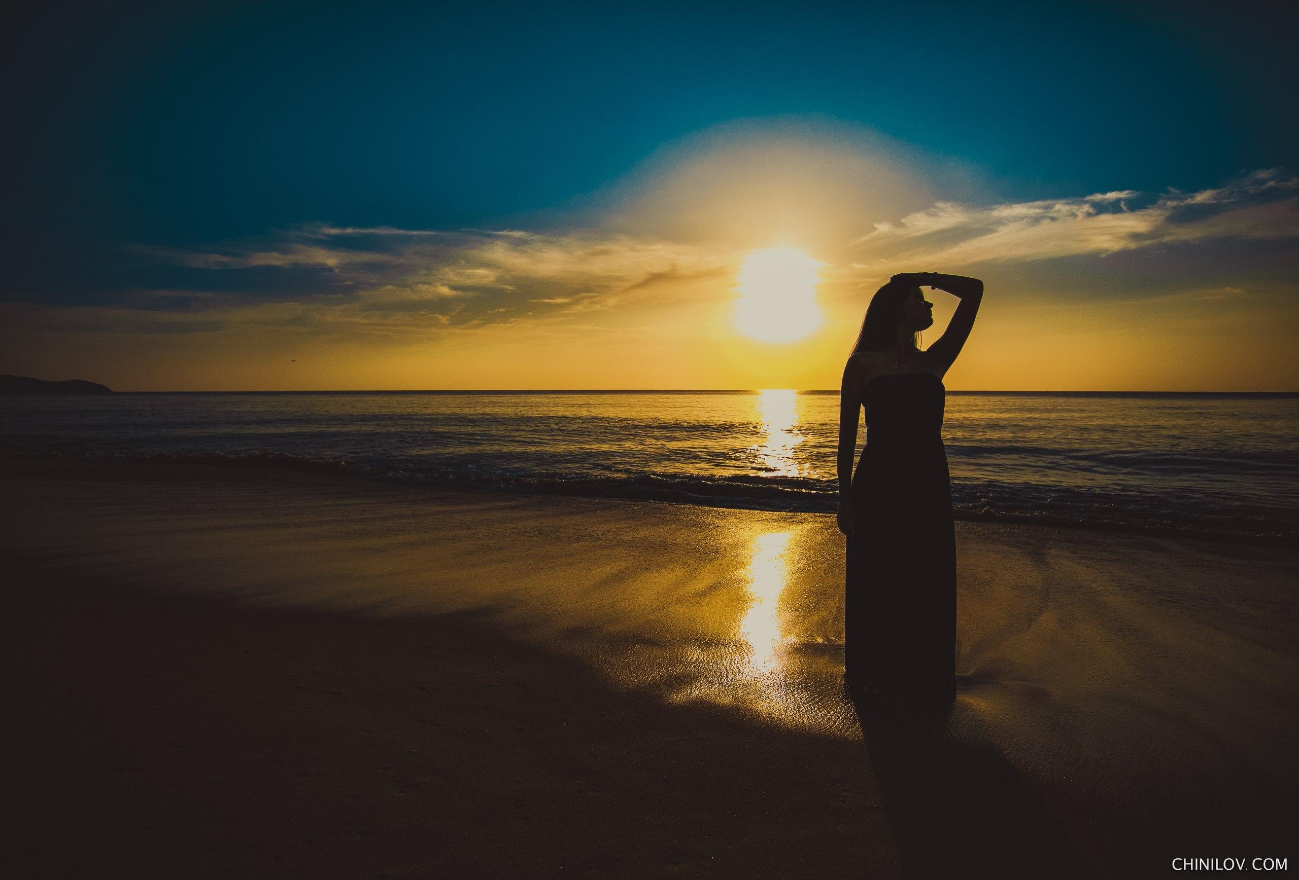 Fond d'écran : foncé, plage, ciel, bleu, lumière du soleil, Ivan Chinilov, bras en l'air, Femmes ...