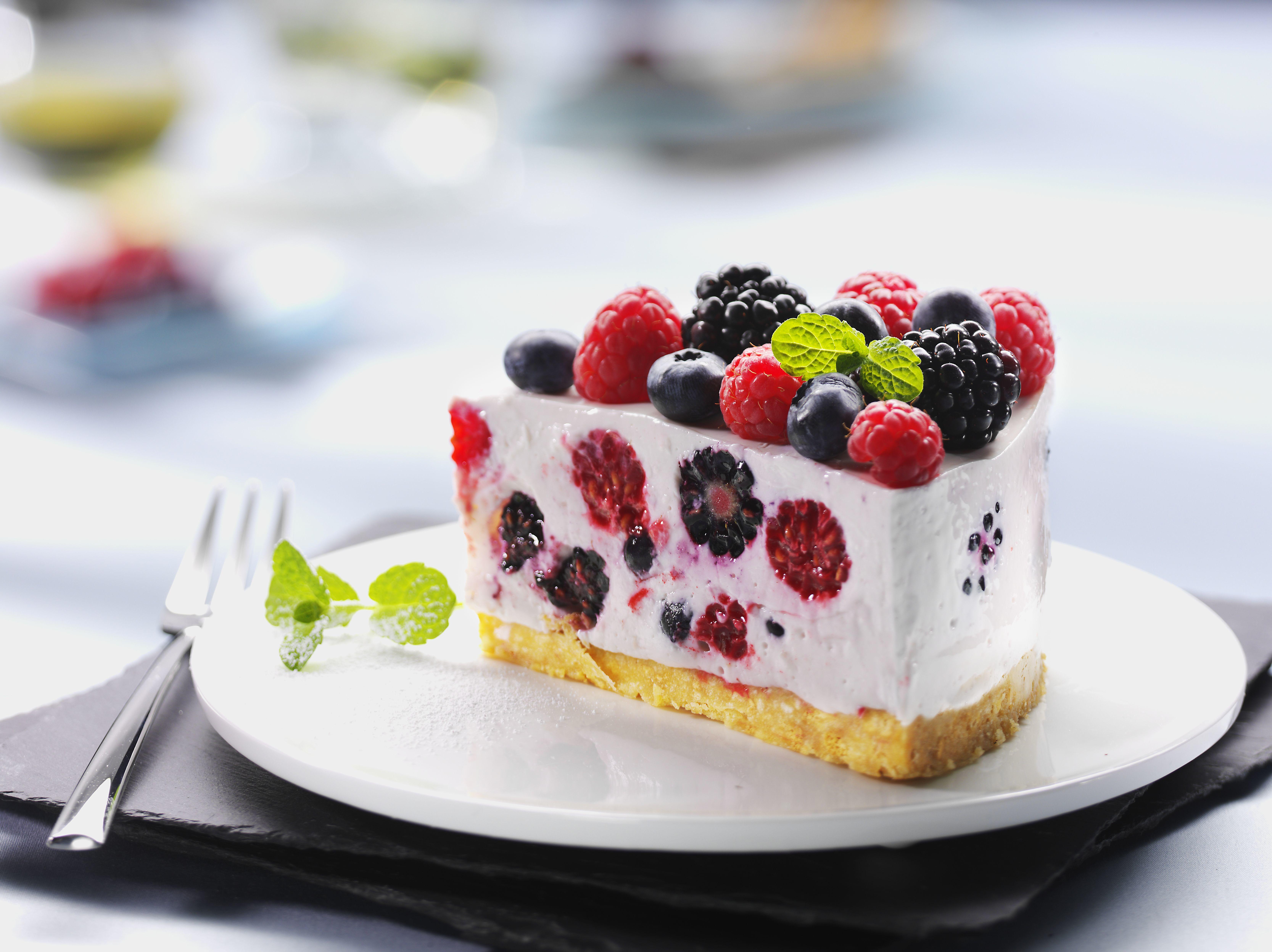 Blueberry Cake Description