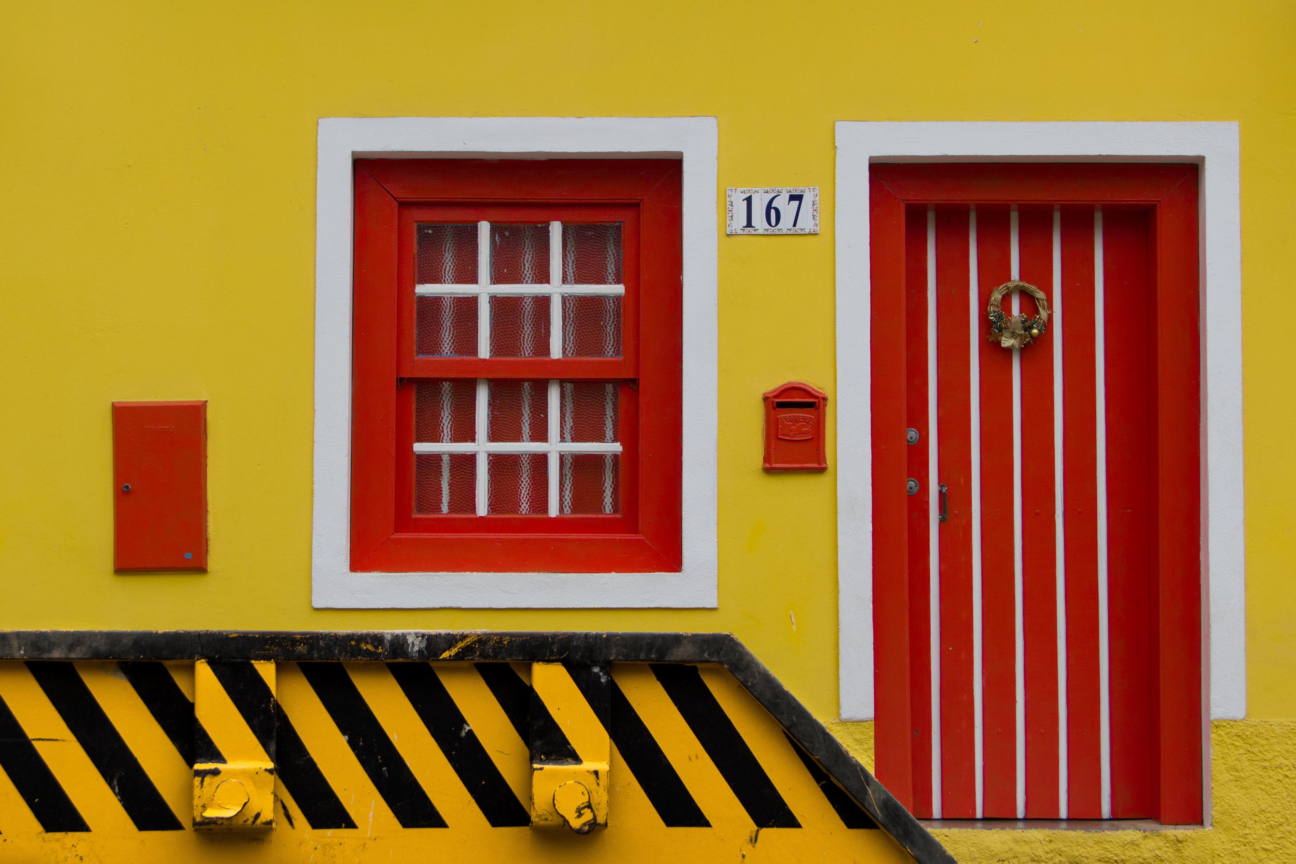 hintergrundbilder : tür, farbe, fenster, farben, schön, linien, gelb