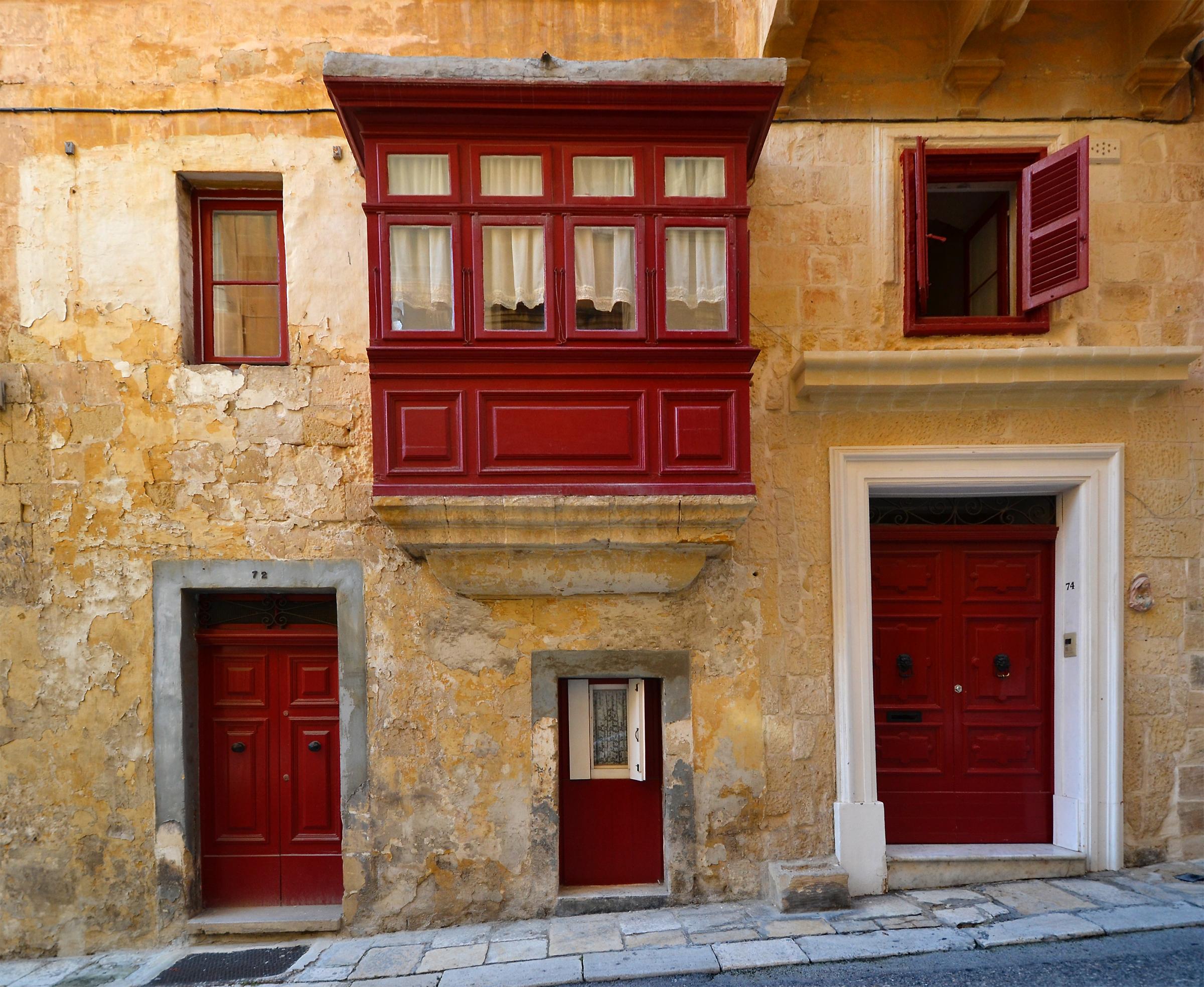 hintergrundbilder t r fenster rot tapete haus die architektur fassade mittelmeer. Black Bedroom Furniture Sets. Home Design Ideas