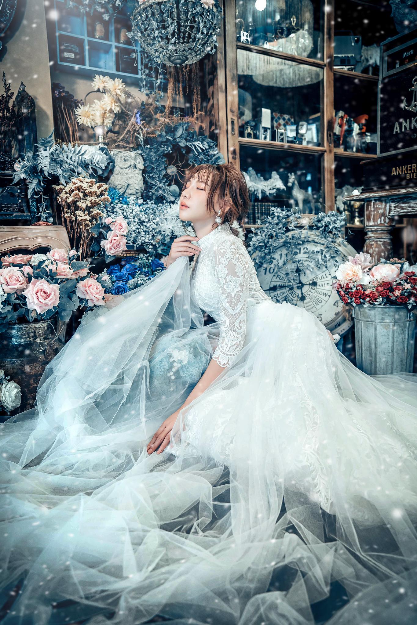 Wallpaper Dress Flowers Model Asian Women Indoors 1365x2048 Wallpapermaniac 1685993 Hd Wallpapers Wallhere
