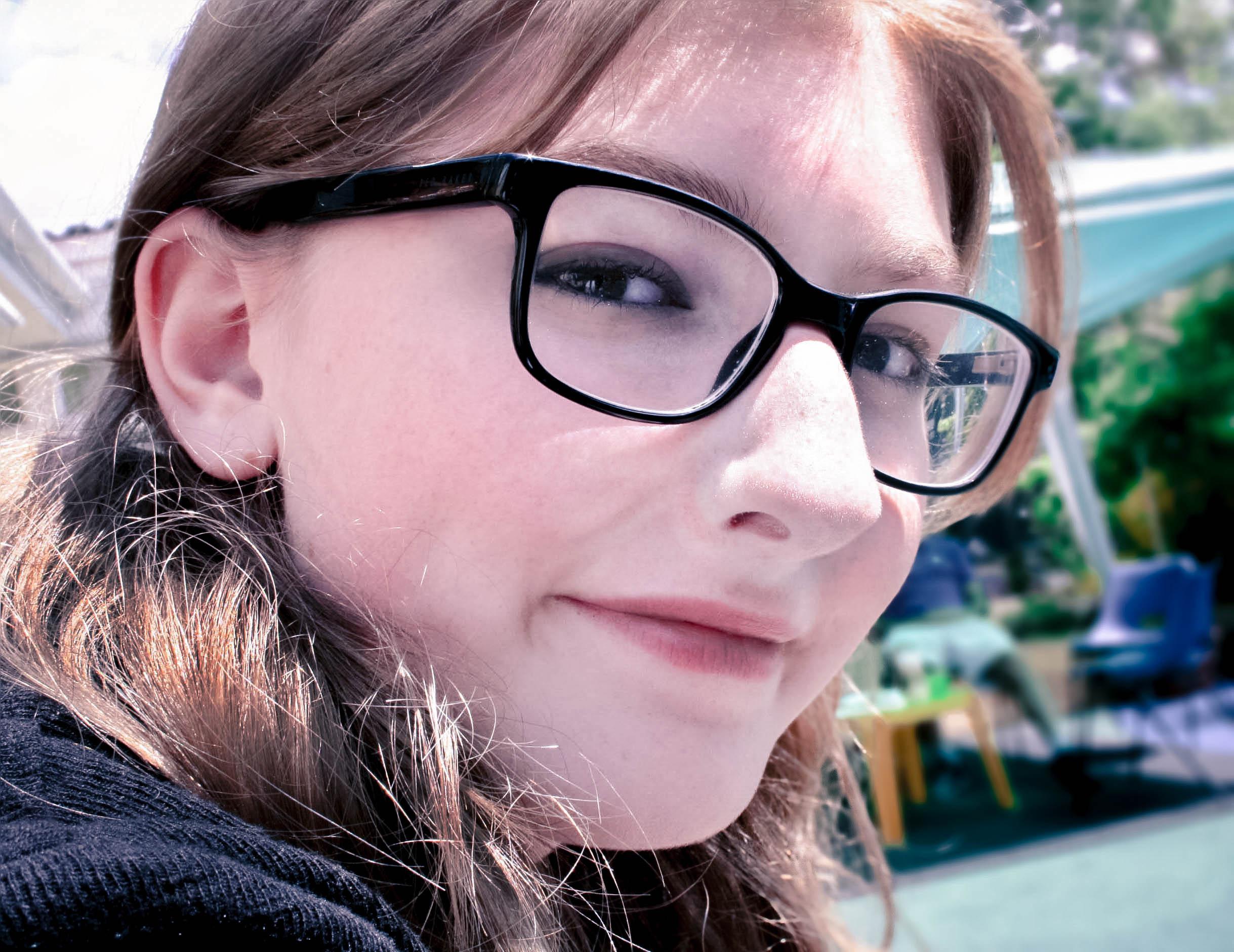Wallpaper : face, Photoshop, model, sunglasses, glasses, simple ...