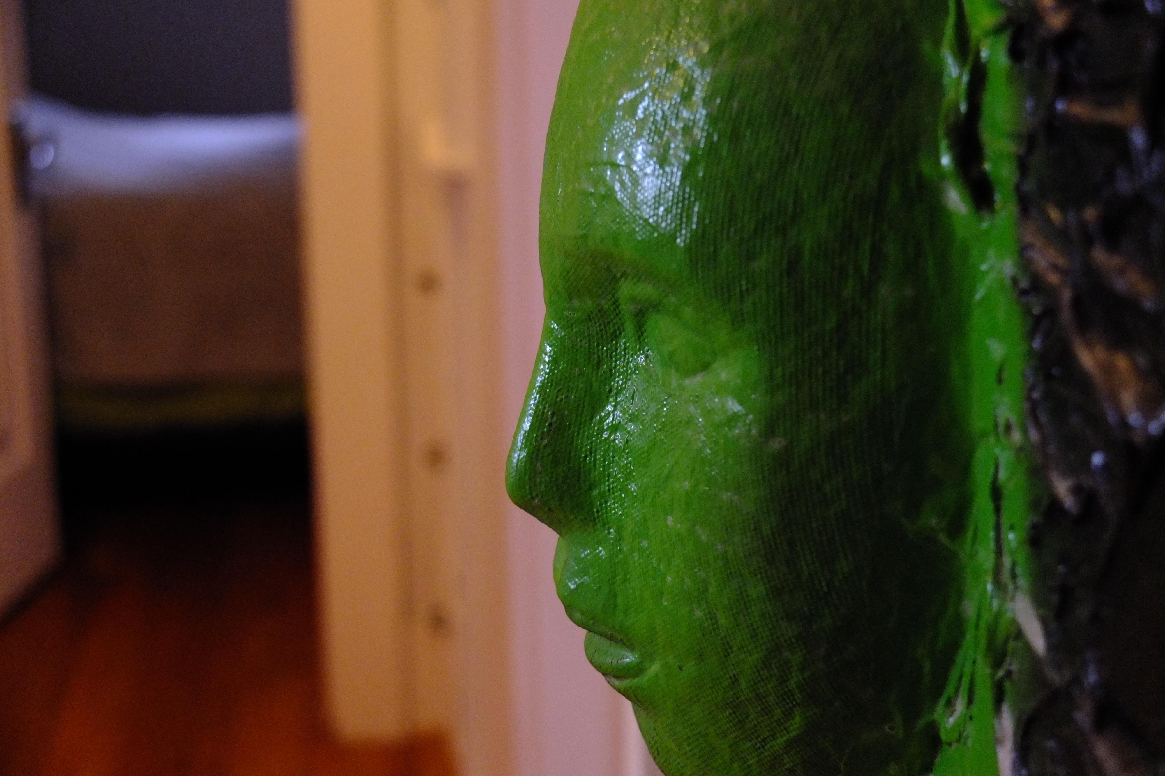 Baggrunde : ansigt, seng, maske, træ, entre, grøn, skulptur, dør ...