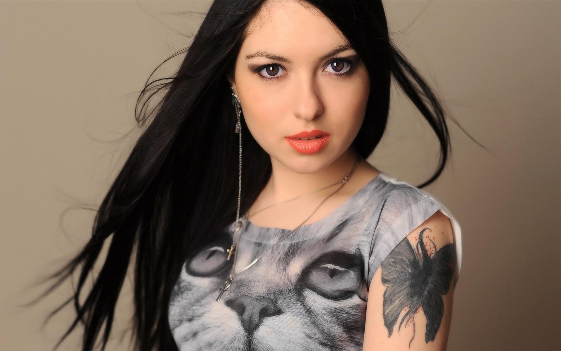 производственной программе просмотреть фото простых татуировок женских уникальный пигмент
