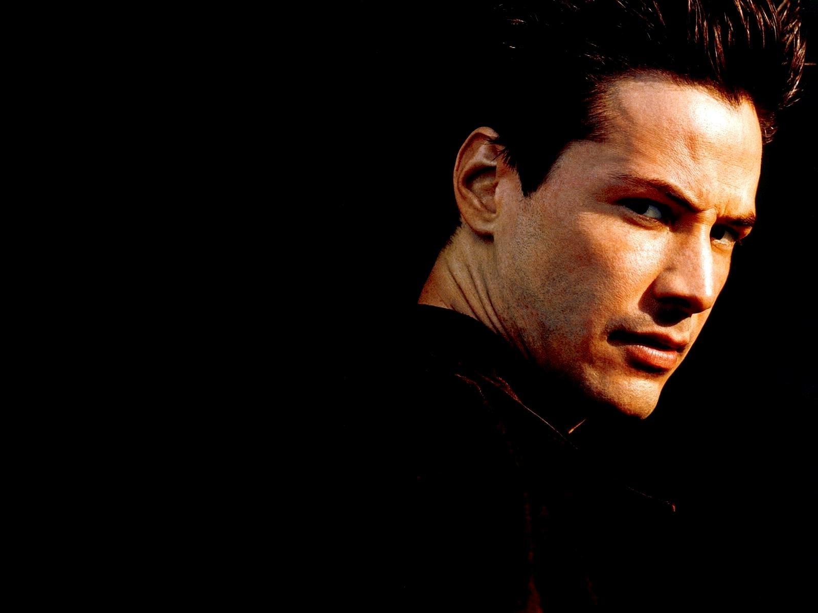 Keanu Reeves prononciation  k i ː ˈ ɑ ː n u ː ˈ ɹ i ː v z est un acteur canadien né le 2 septembre 1964 à Beyrouth 1 2 Après avoir été