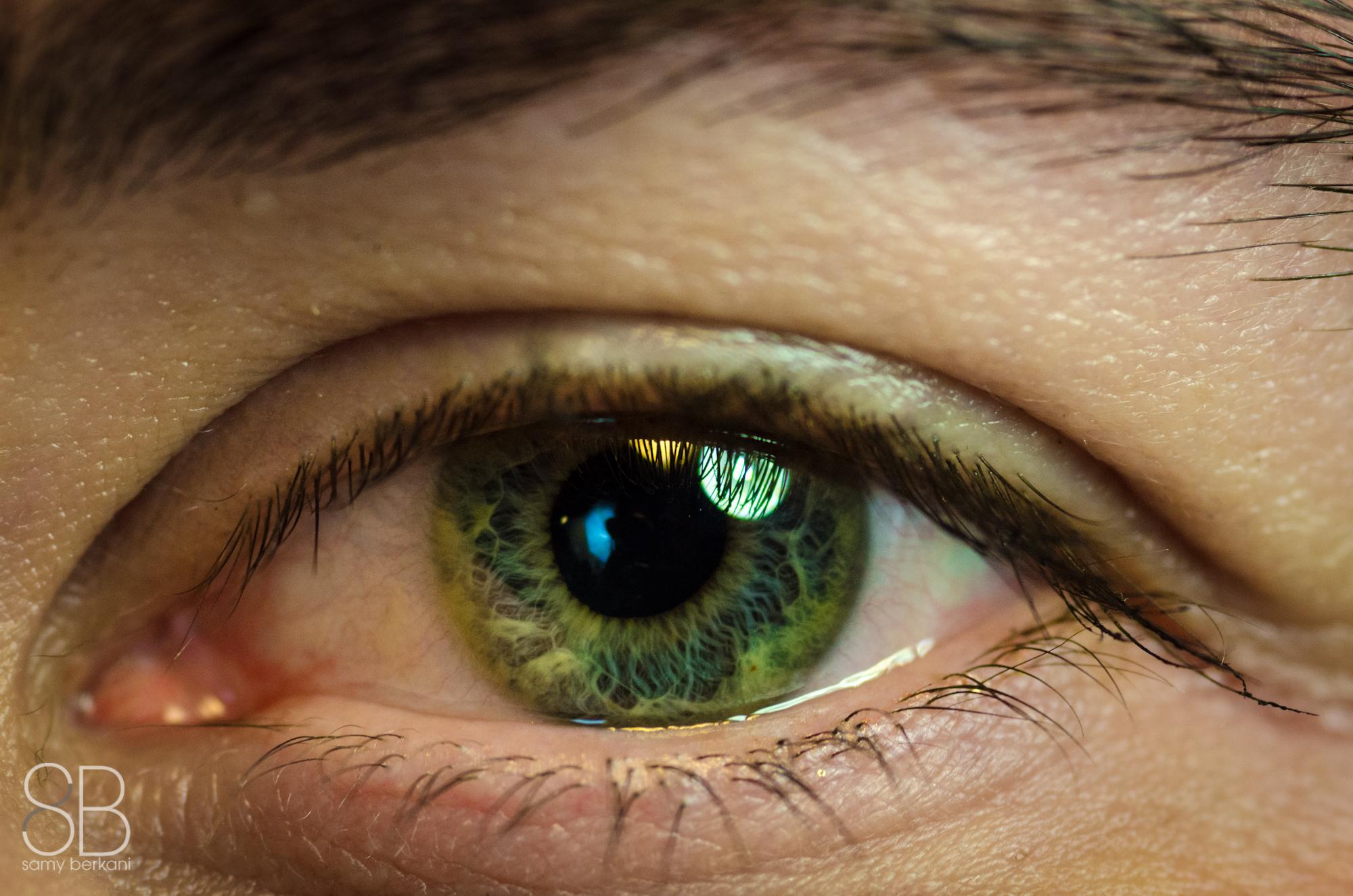 линии зеленые глаза фото или картинка рекомендуется