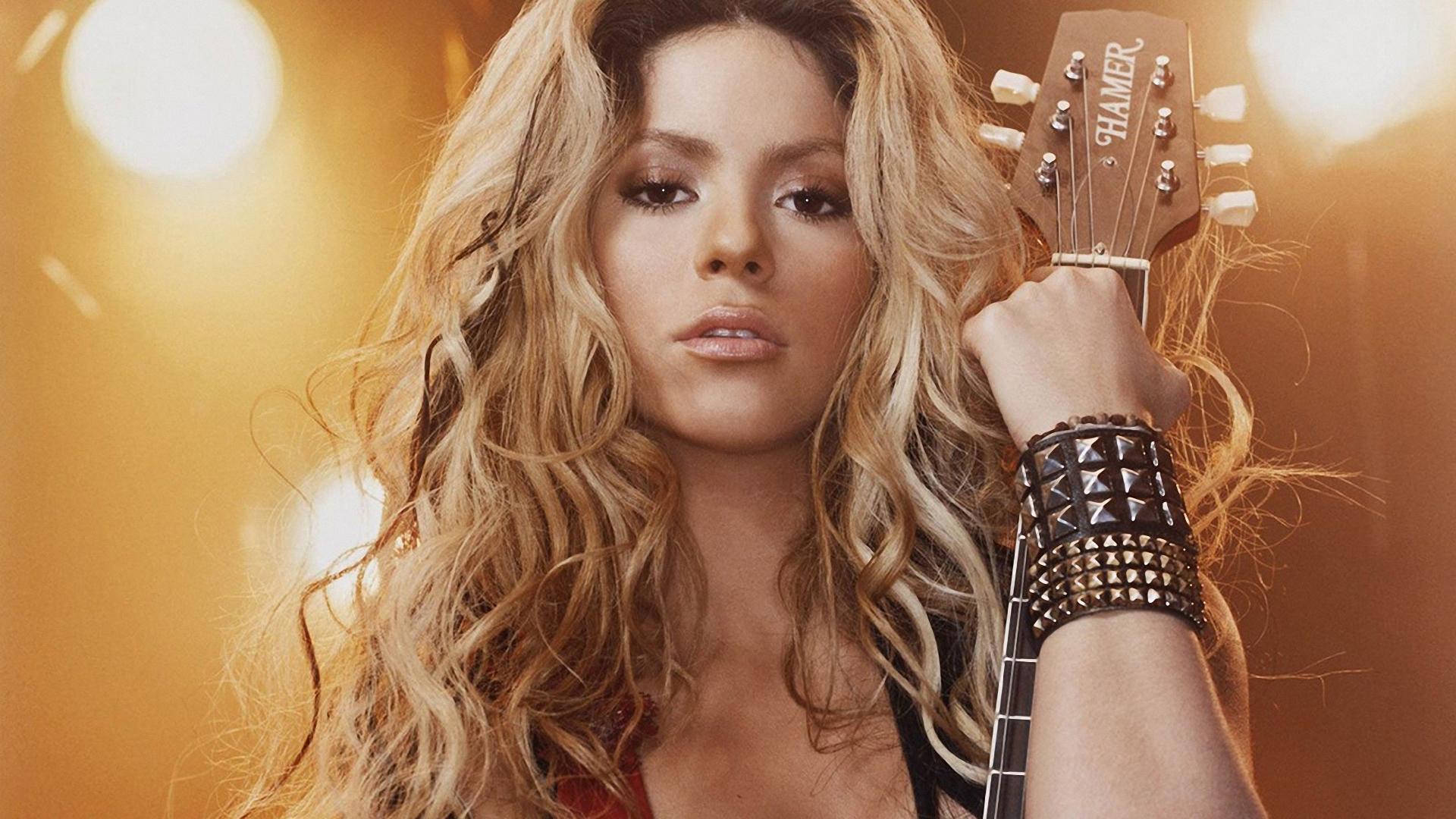 Wallpaper Face Long Hair Guitar Shakira Supermodel Light