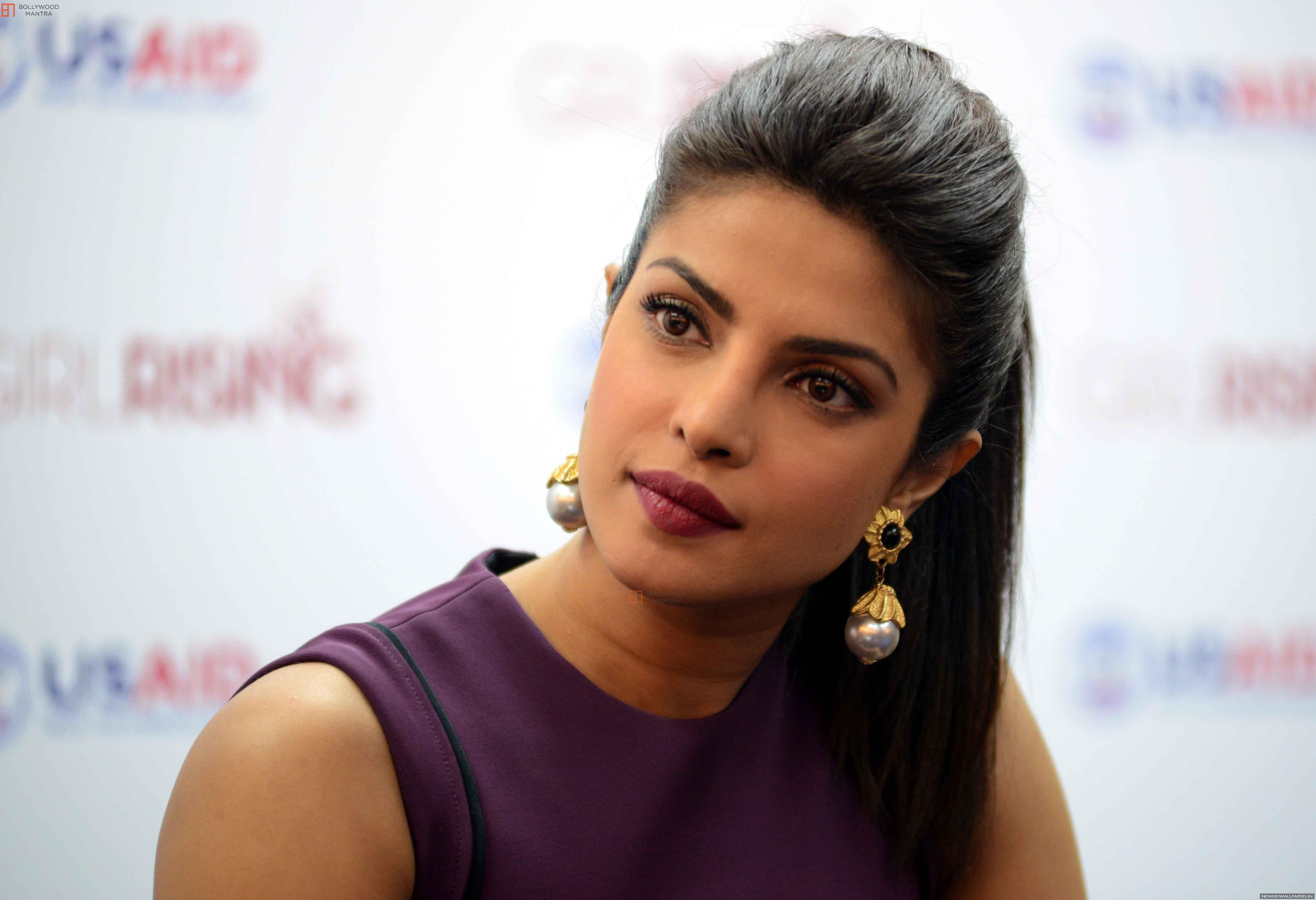 фото индийской актрисы чопры дорогая