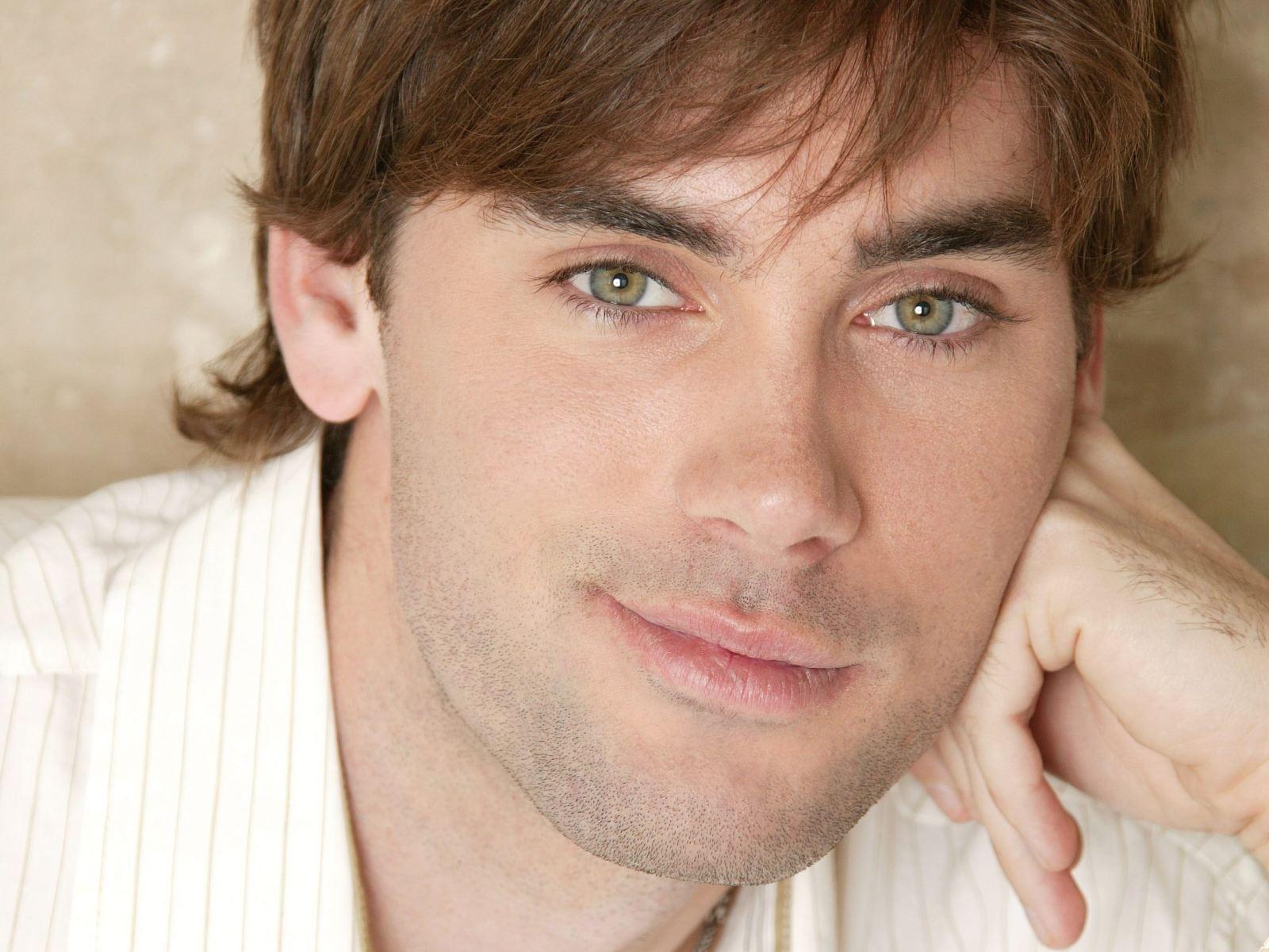 Картинки зеленые глаза мужские