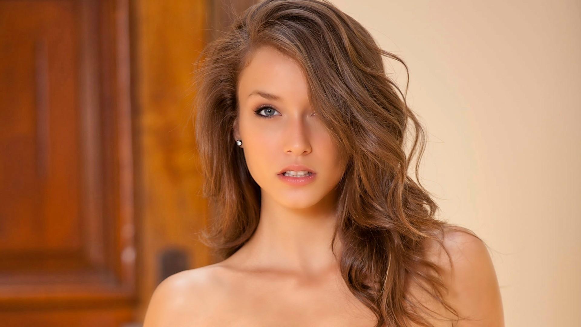 Brunette naked video, girl sucking thumb sex
