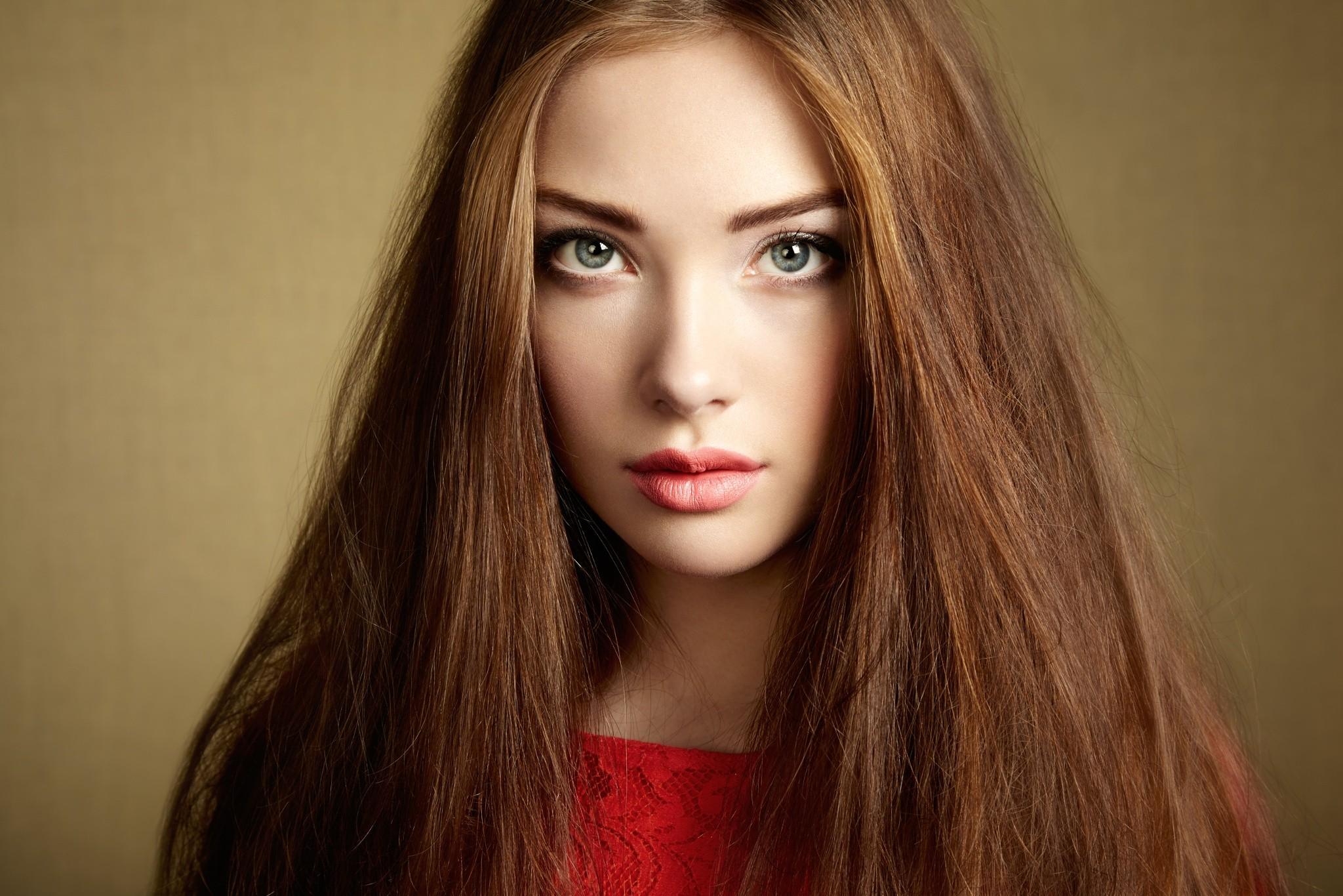 Braune haare helle haut welche farben - Beliebte Frisuren 2020