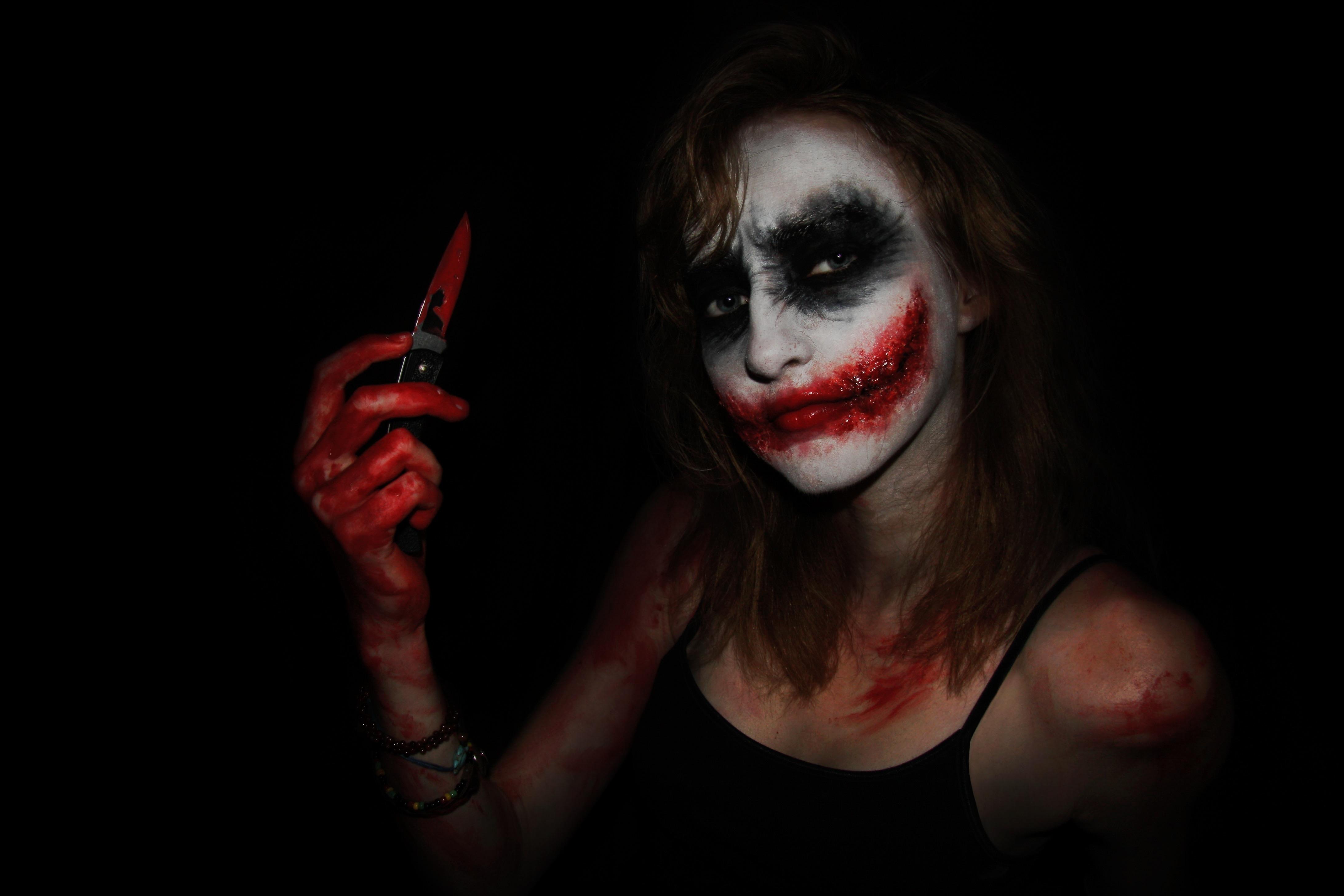 Wallpaper Face Painting Portrait Creepy Makeup Halloween Joker Canon Blood Knife Gore Psycho Gross Shadows Scary Serious Paint Selfie