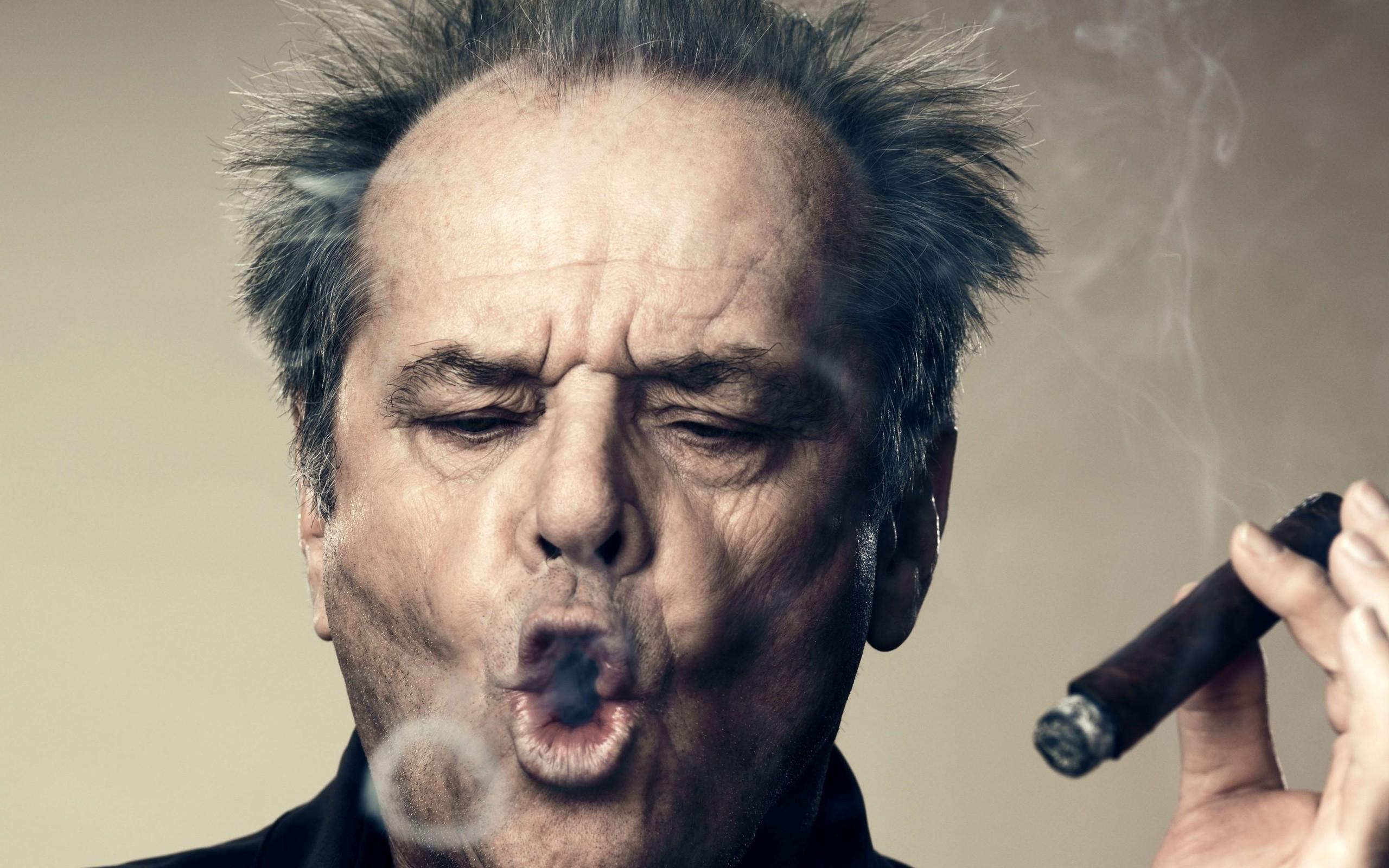muži na muža, fajčenie