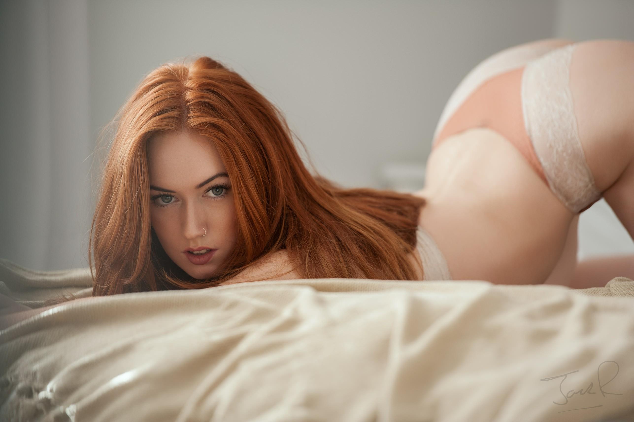 Redhead polecat Terry Sullivan shows what hides inside her pussy № 14637  скачать