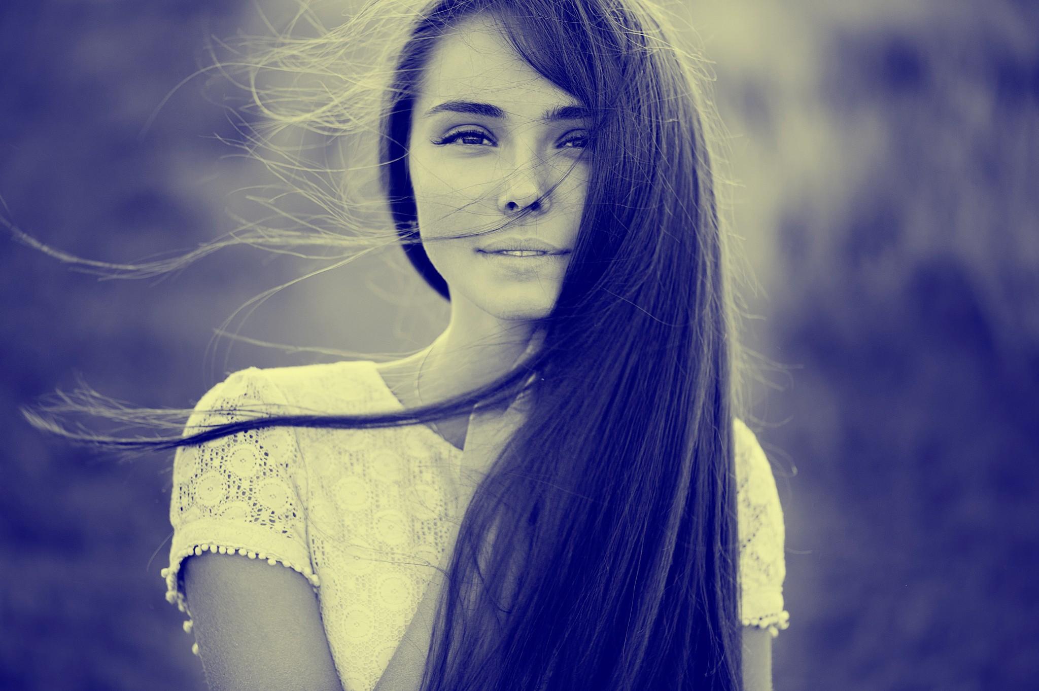 Фото девушки на аву лет