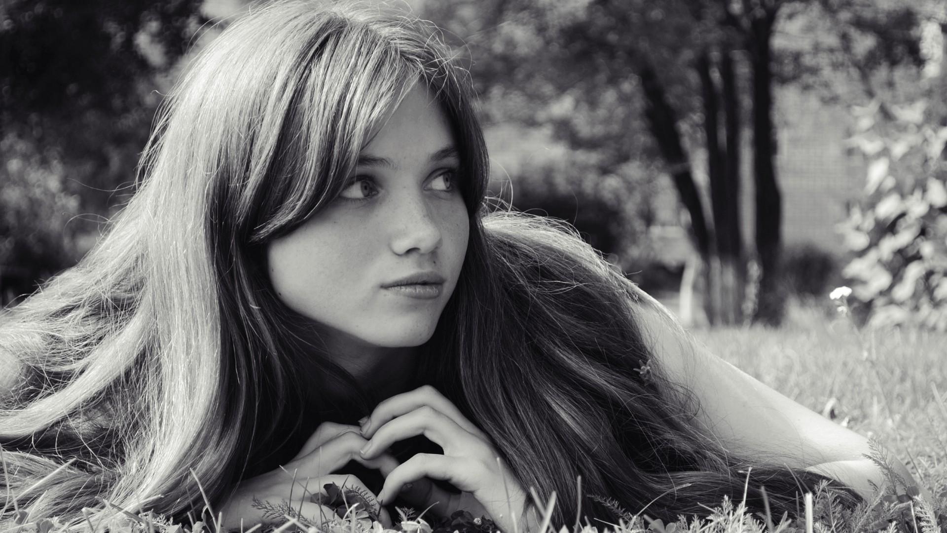 этот красивые черно белые фотографии девушек менялись, вскоре
