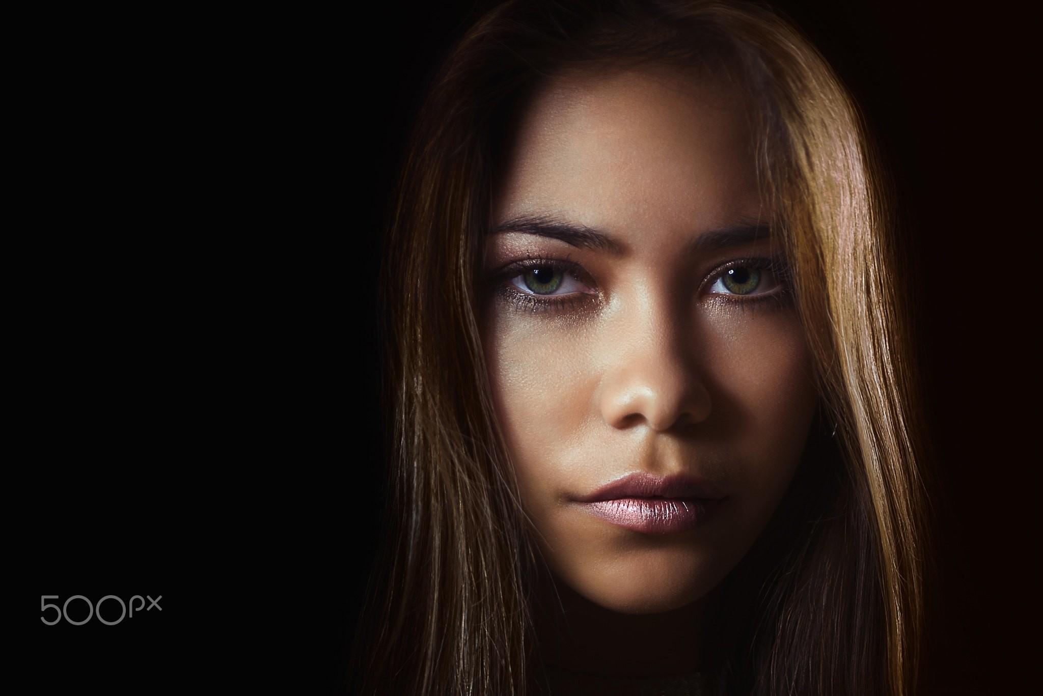 Wallpaper Face Women Simple Background Long Hair: Wallpaper : Face, Women, 500px, Model, Simple Background