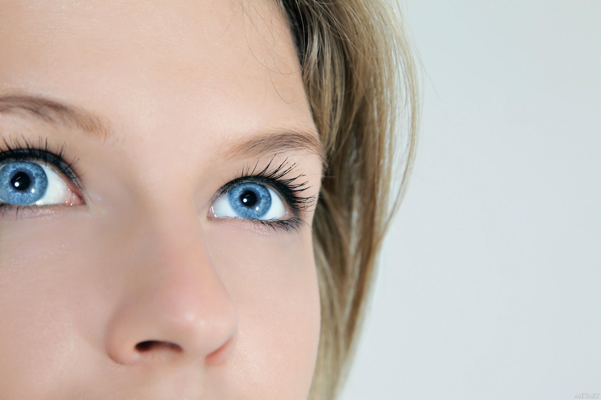 взгляд в профиль картинки глаза гроздевидные корки
