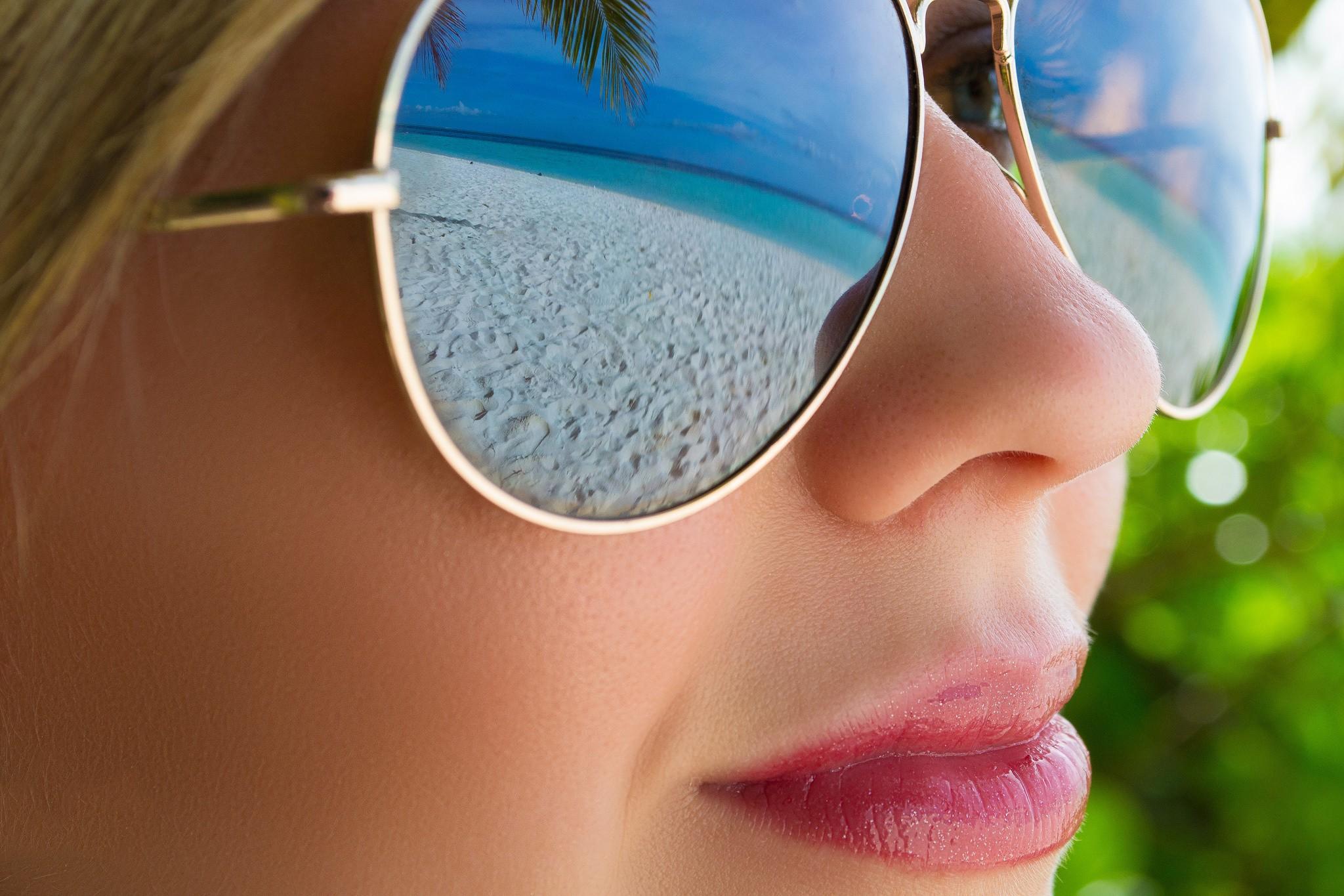 Фото девушек в очках для солнца на аву в одноклассники