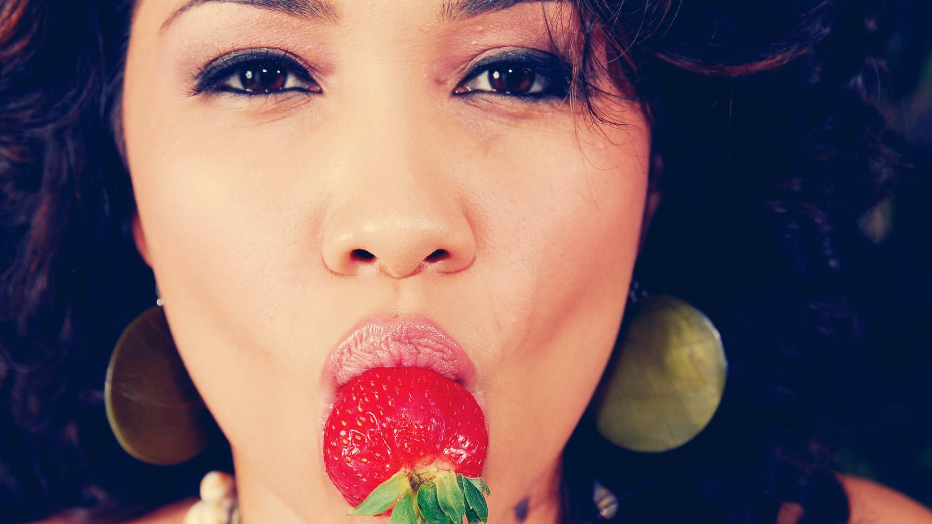 стоит выше картинки ягодка во рту являются идеальным