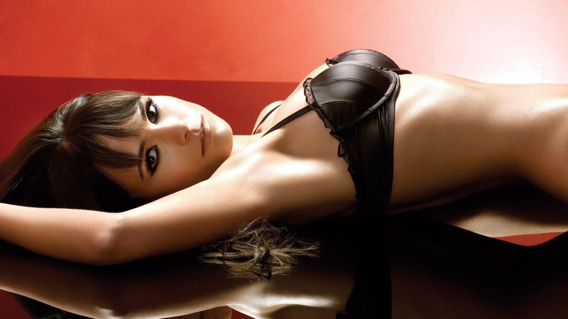 Sarah Mcdonald British Glamour Model Nude Adult Photos Hd
