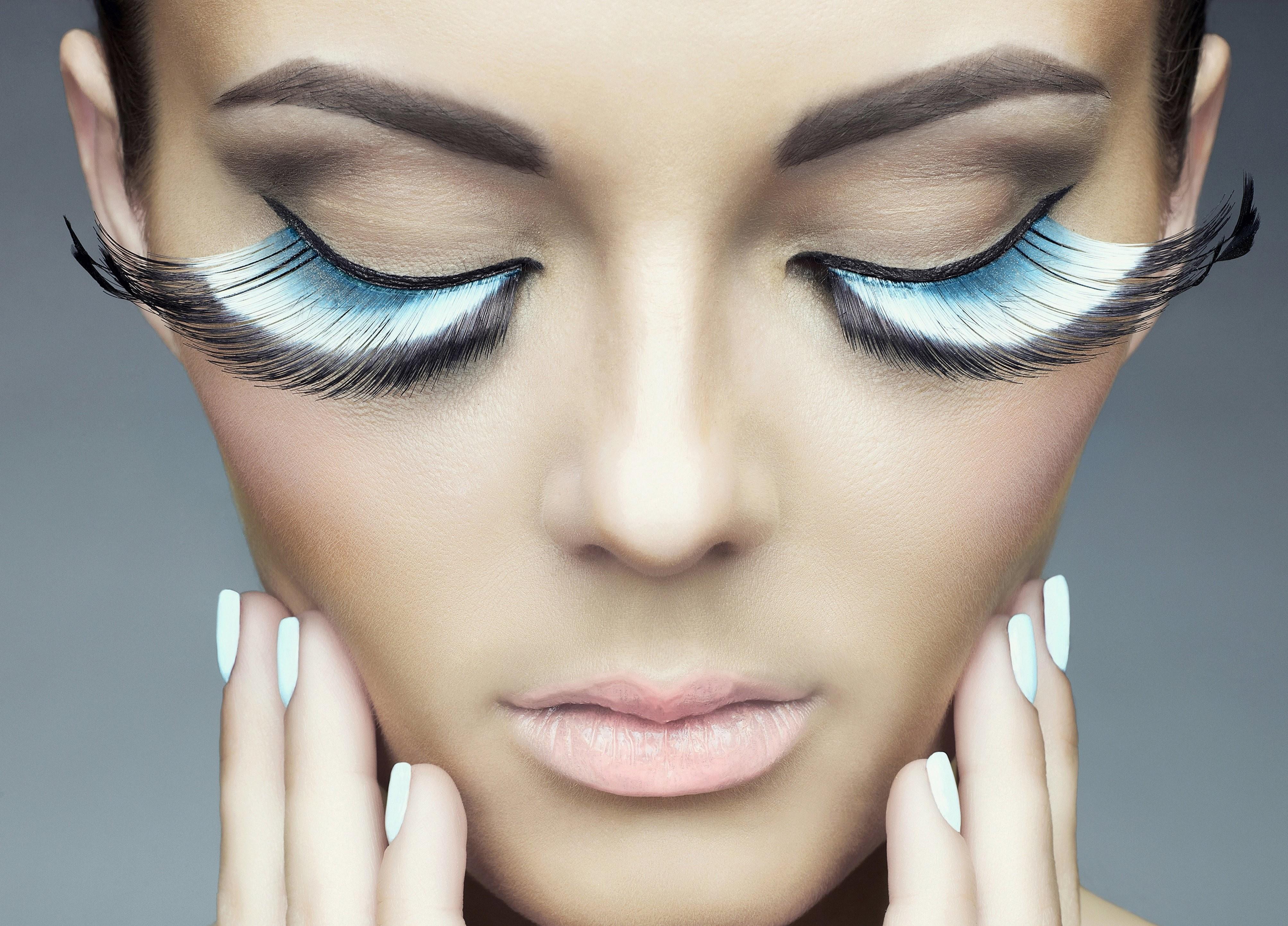 how to make eyelashes look longer without fake lashes