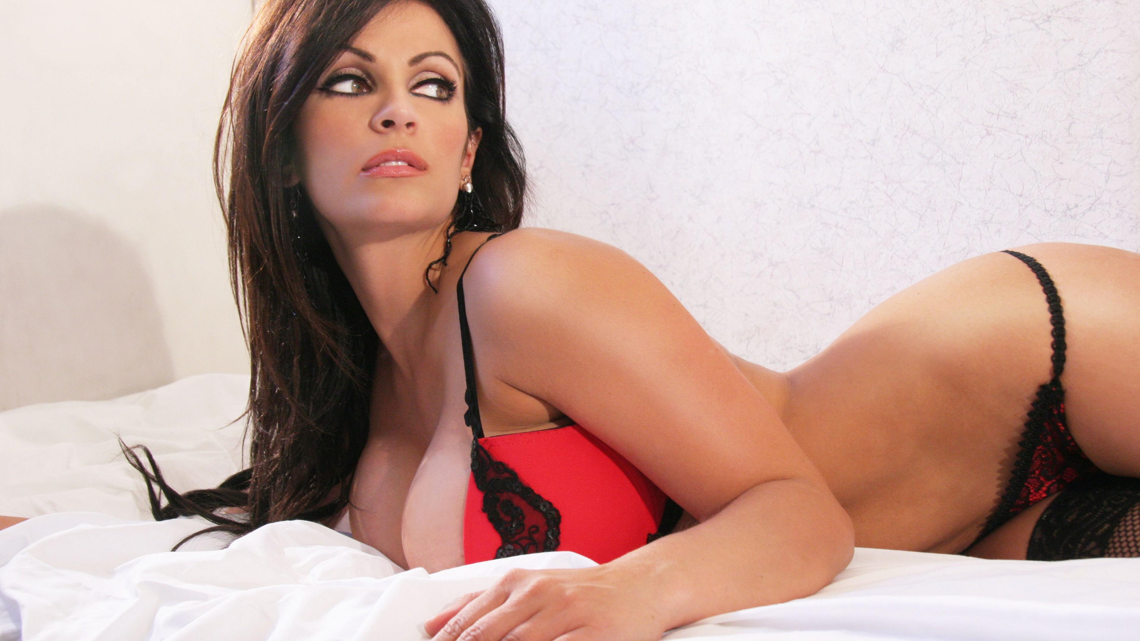 Latina babe Penelope Tyler with big tits fucks till a cumshot № 467513  скачать