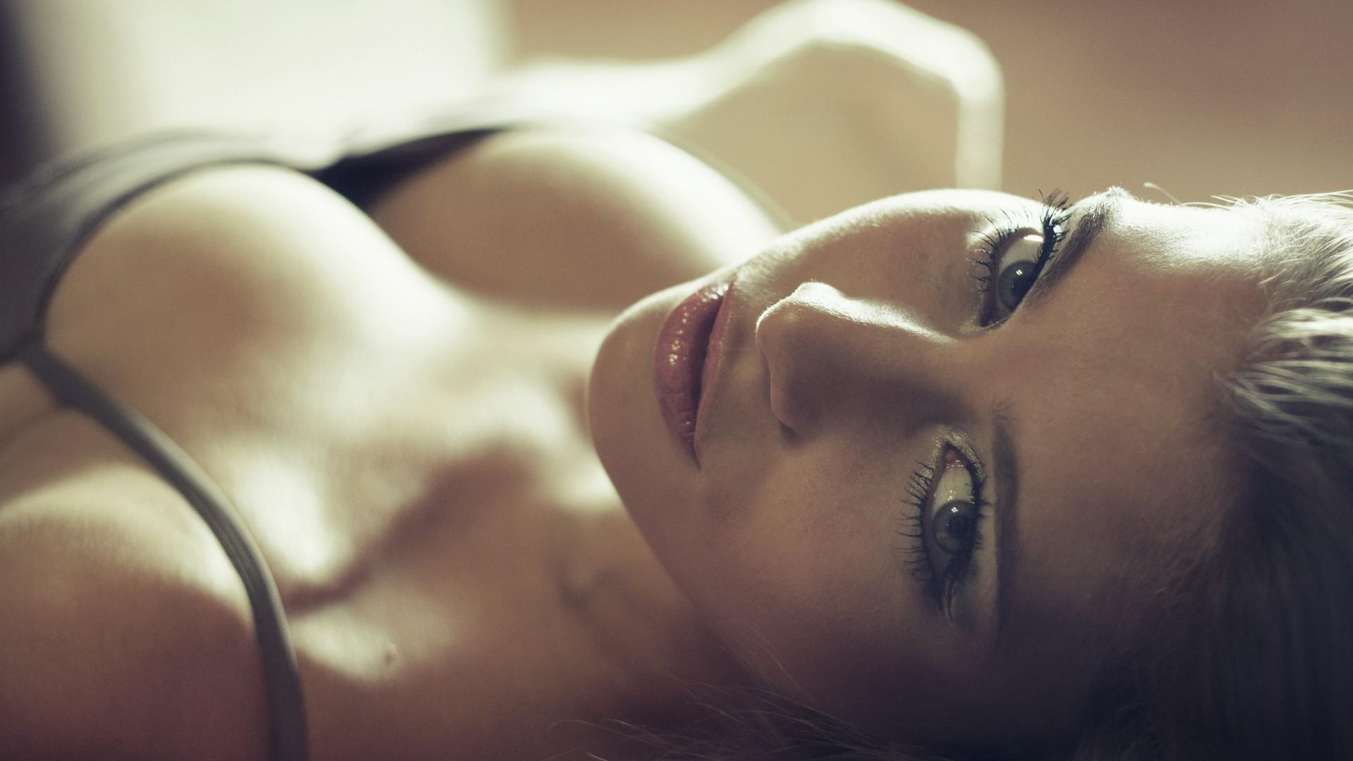 красивые аргентинские девушки голые крупным планом угол