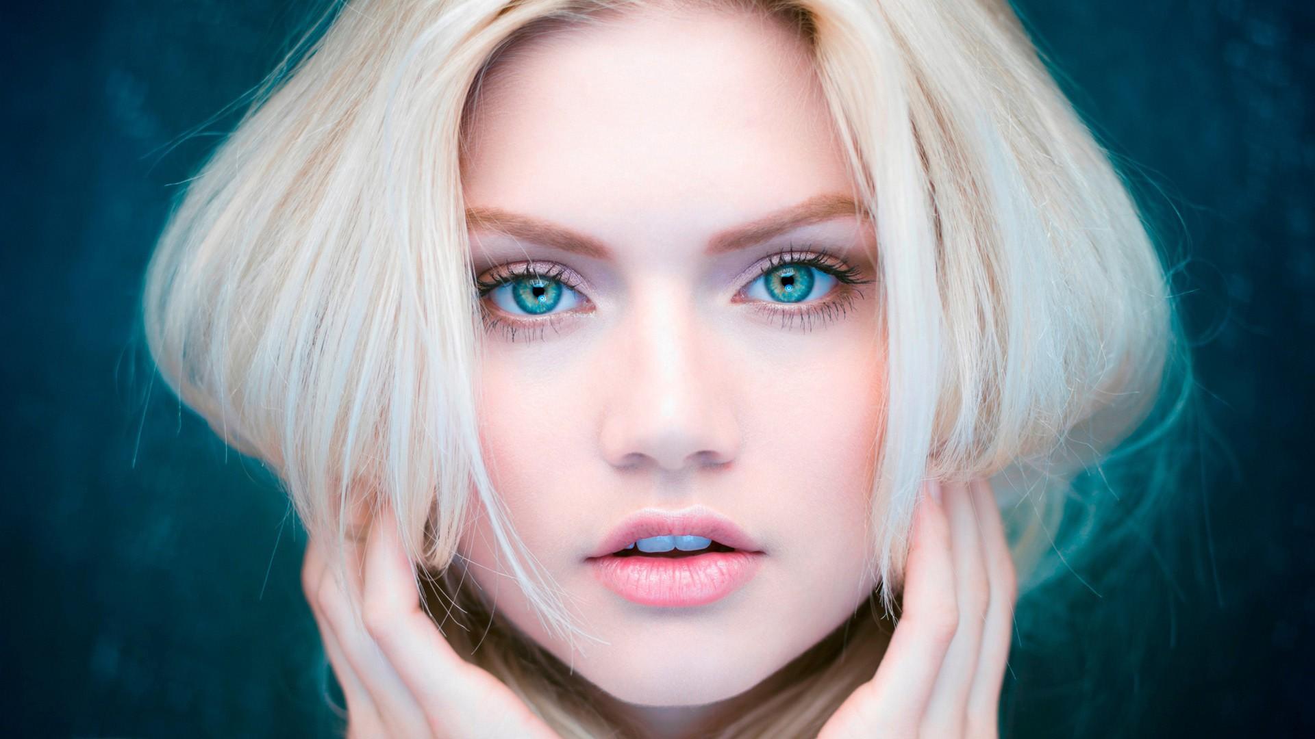 Wallpaper Face Women Model Blonde Blue Eyes Red Martina