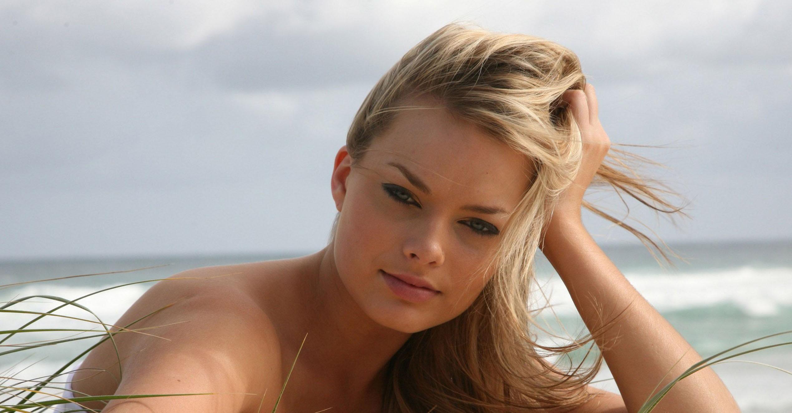 Fond d 39 cran visage femmes maquette blond cheveux longs yeux bleus actrice robe margot - Actrice yeux bleus ...