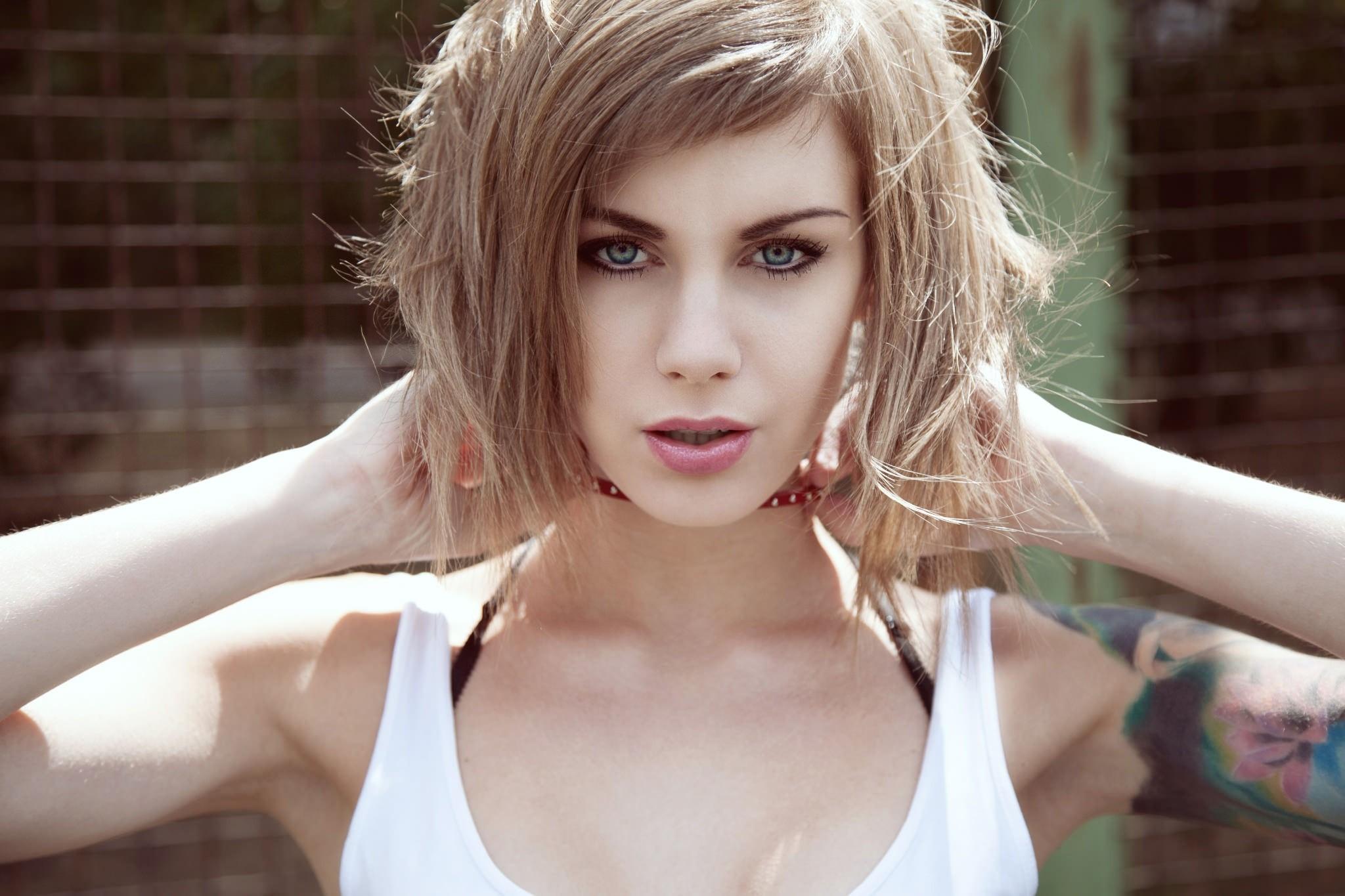 Блондинки в коже фото, как трахали жену любительское